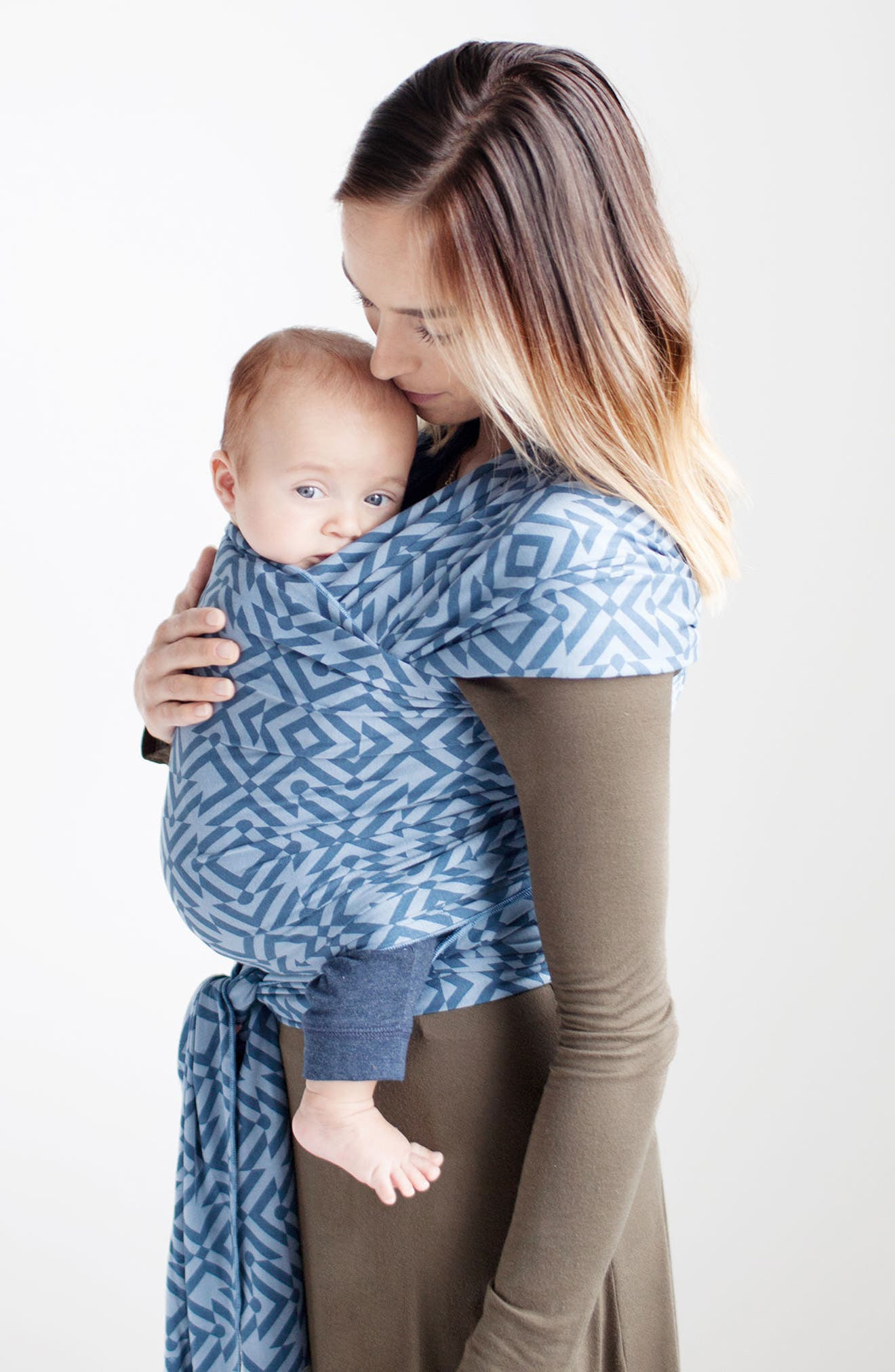 Infant Moby X Petunia Pickle Bottom Baby Carrier Size One Size  Blue