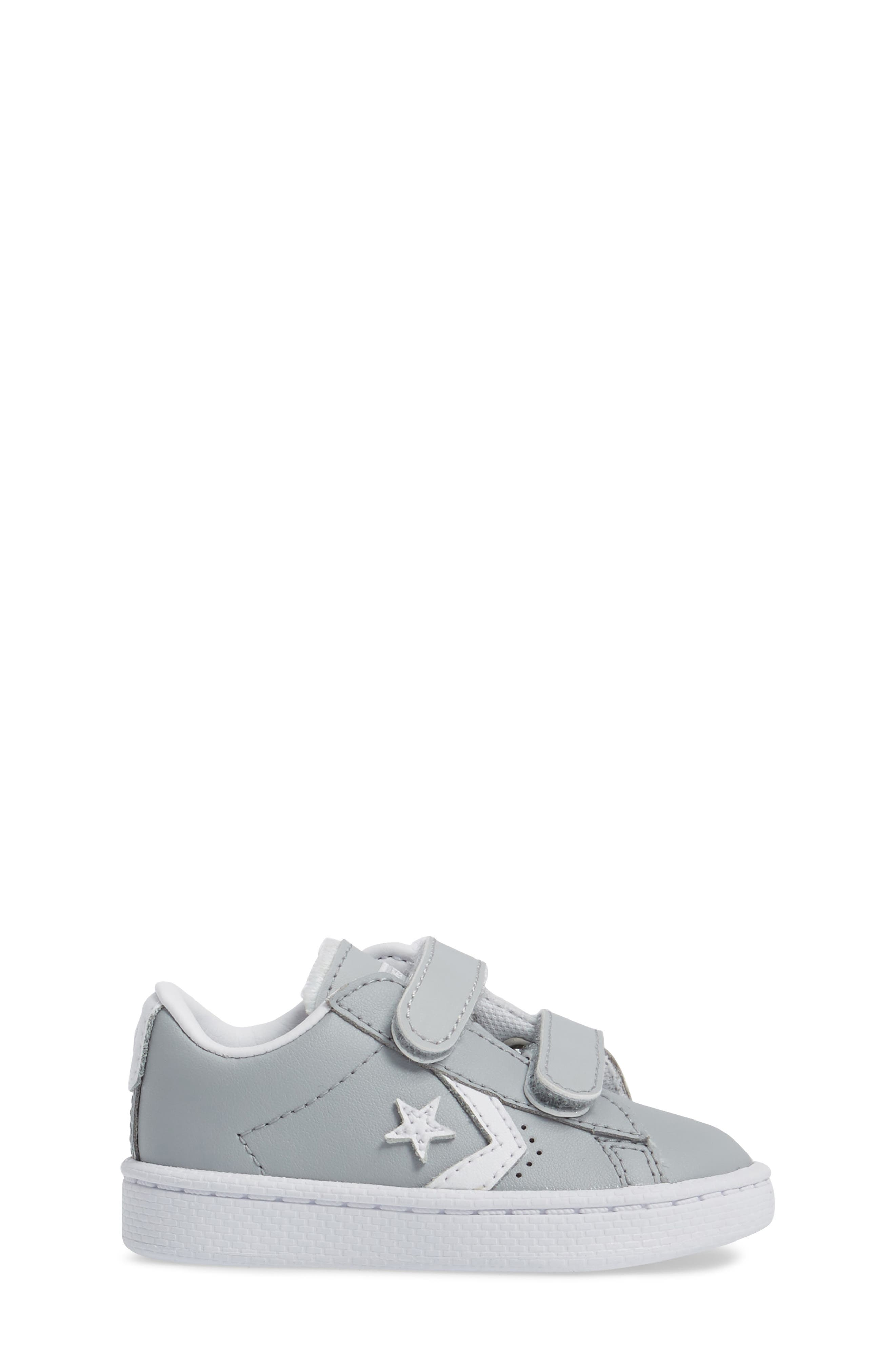 Pro Leather Low Top Sneaker,                             Alternate thumbnail 3, color,                             097