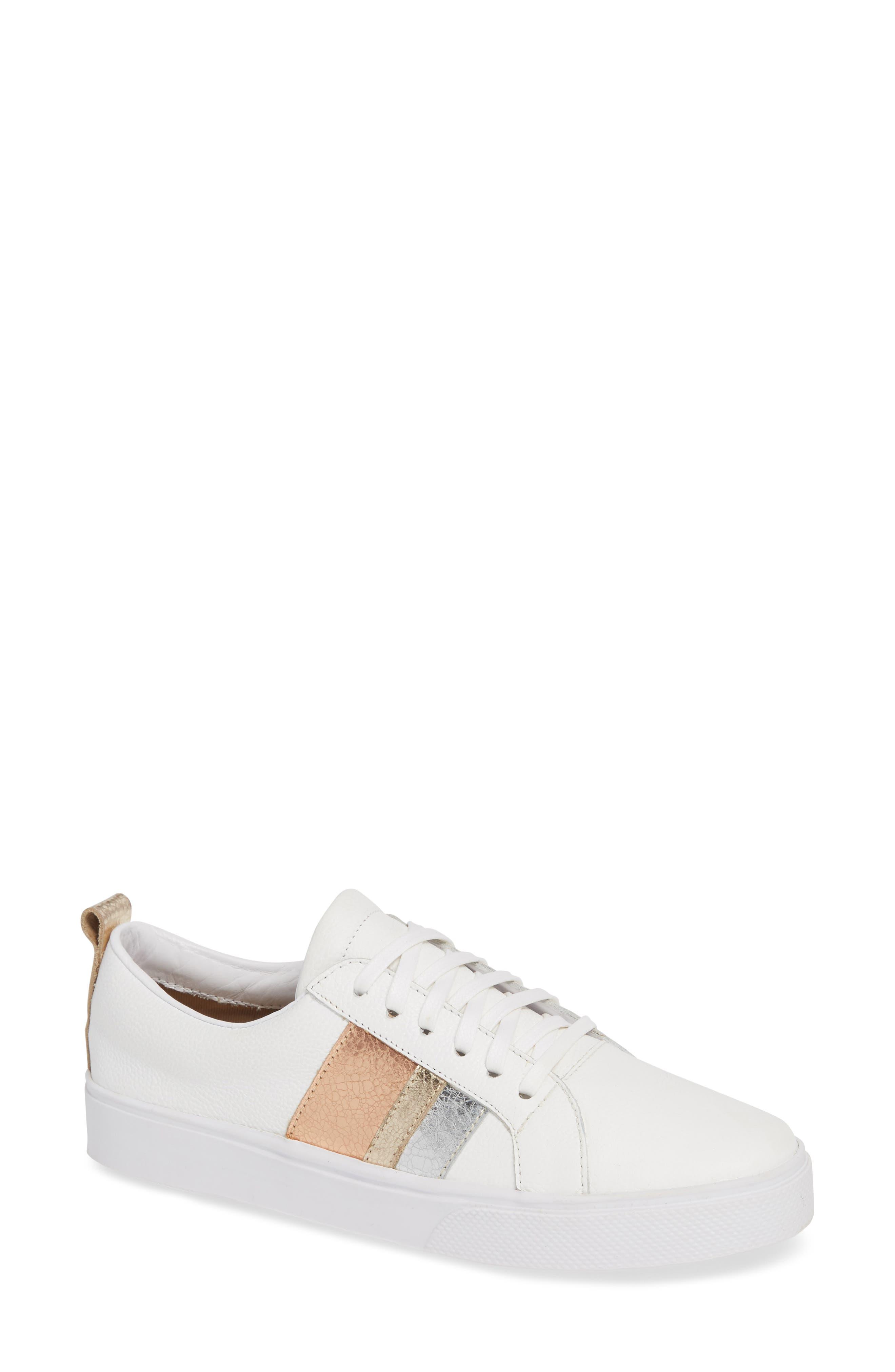 KAANAS Bristol Sneaker in Gold Leather