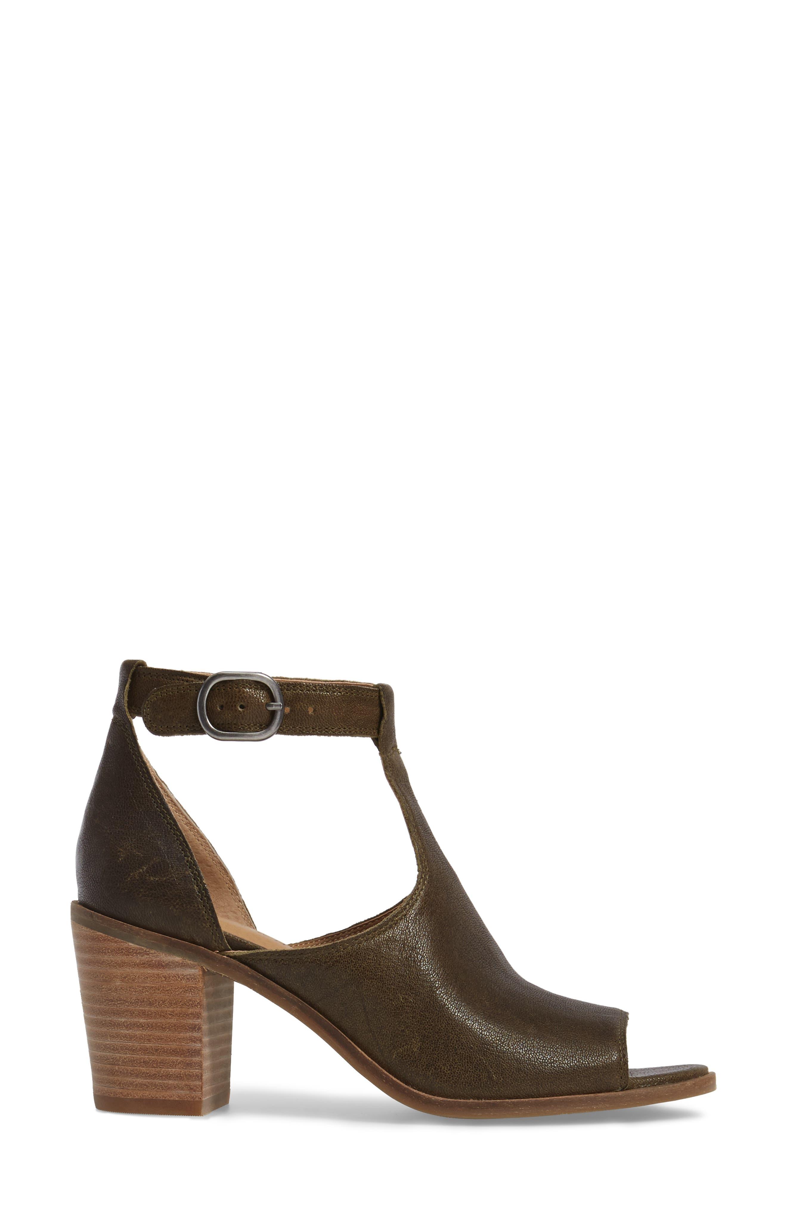 Kadian Block Heel Sandal,                             Alternate thumbnail 6, color,