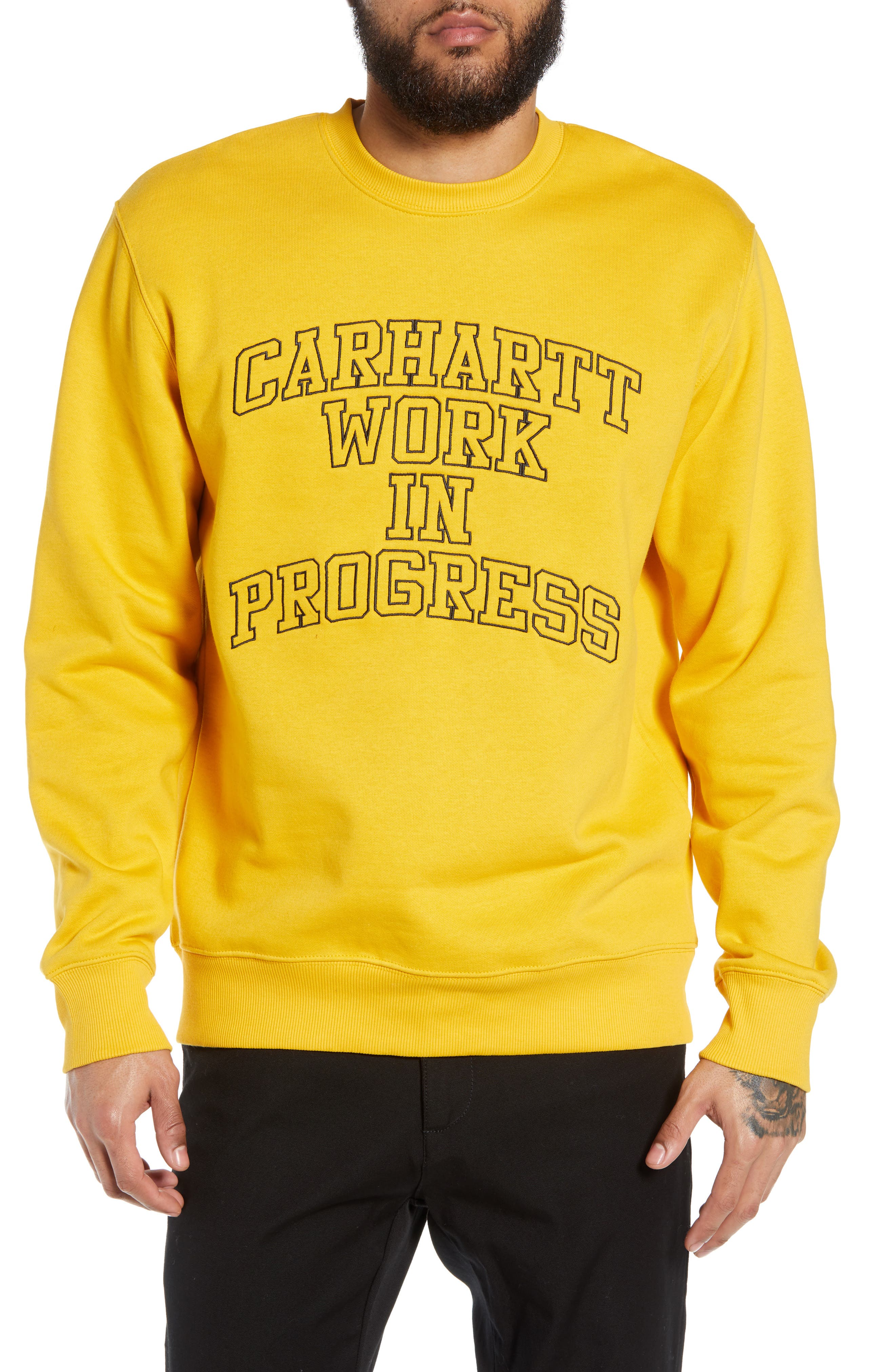 CARHARTT WORK IN PROGRESS Wip Division Embroidered Sweatshirt in Quince / Black
