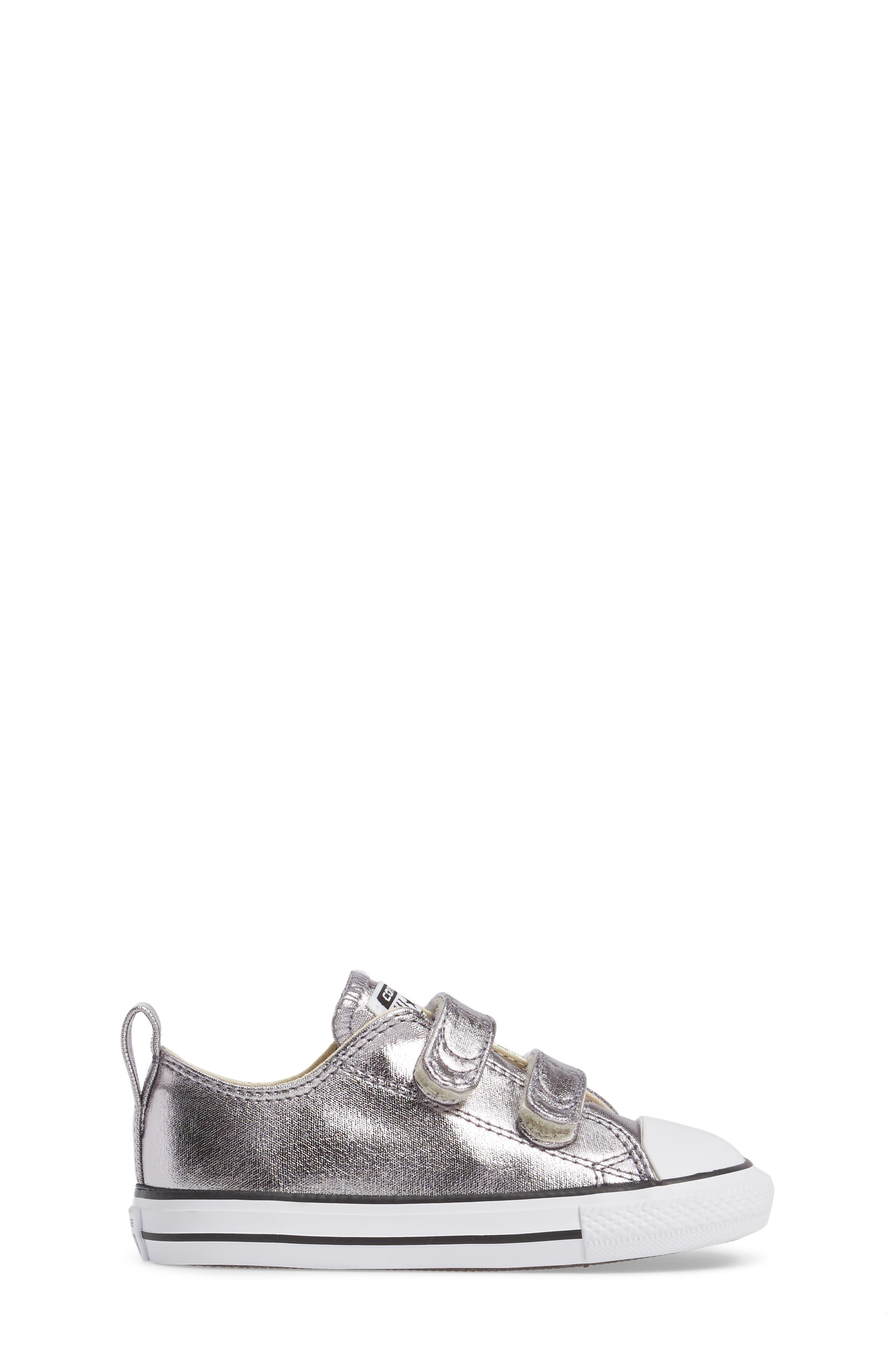 Chuck Taylor<sup>®</sup> All Star<sup>®</sup> Seasonal Metallic Low Top Sneaker,                             Alternate thumbnail 3, color,                             040