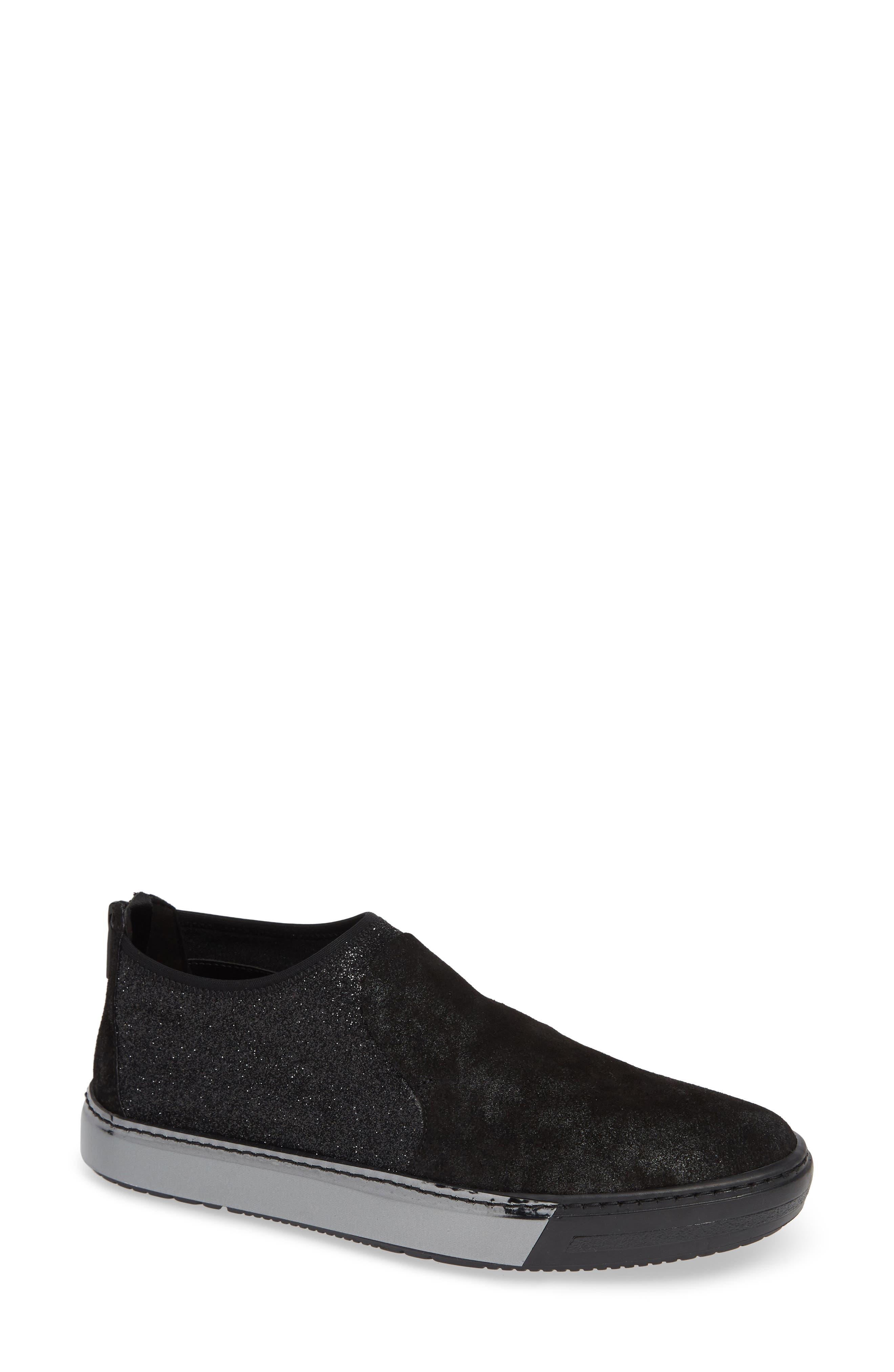 SESTO MEUCCI Corky Water Resistant Sneaker in Black