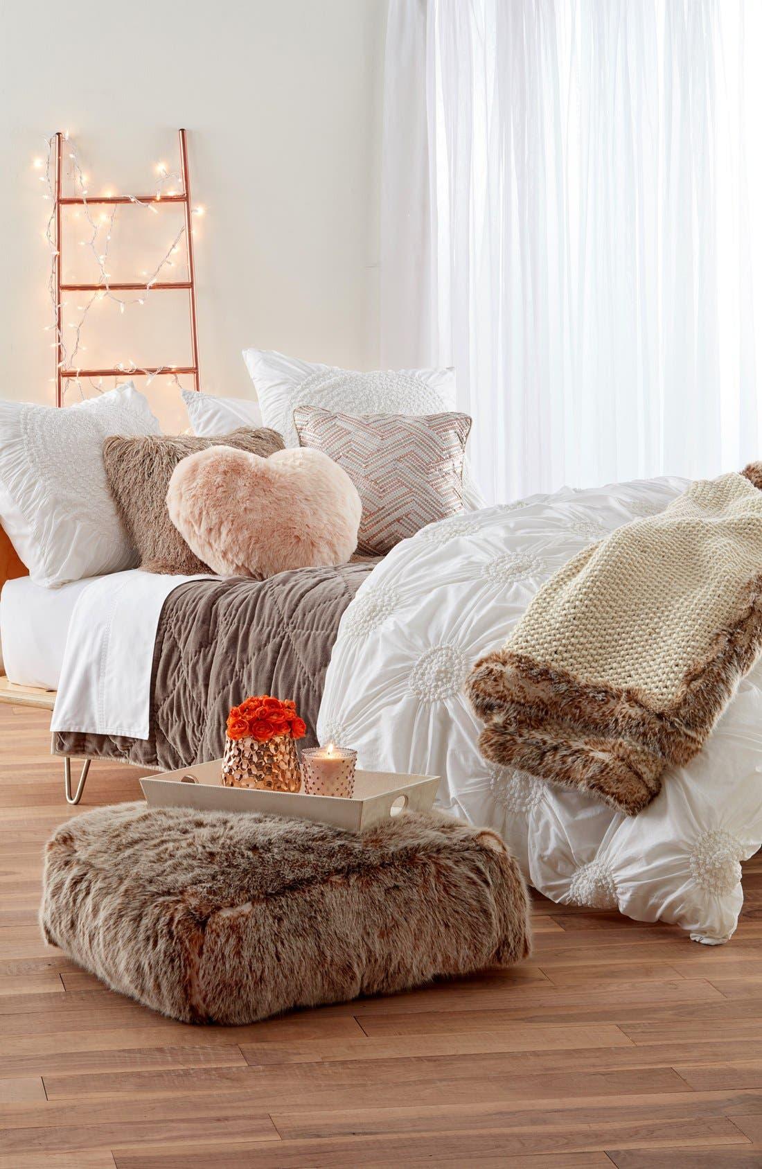 VILLA HOME COLLECTION,                             'Lona' Sequin Accent Pillow,                             Alternate thumbnail 4, color,                             650