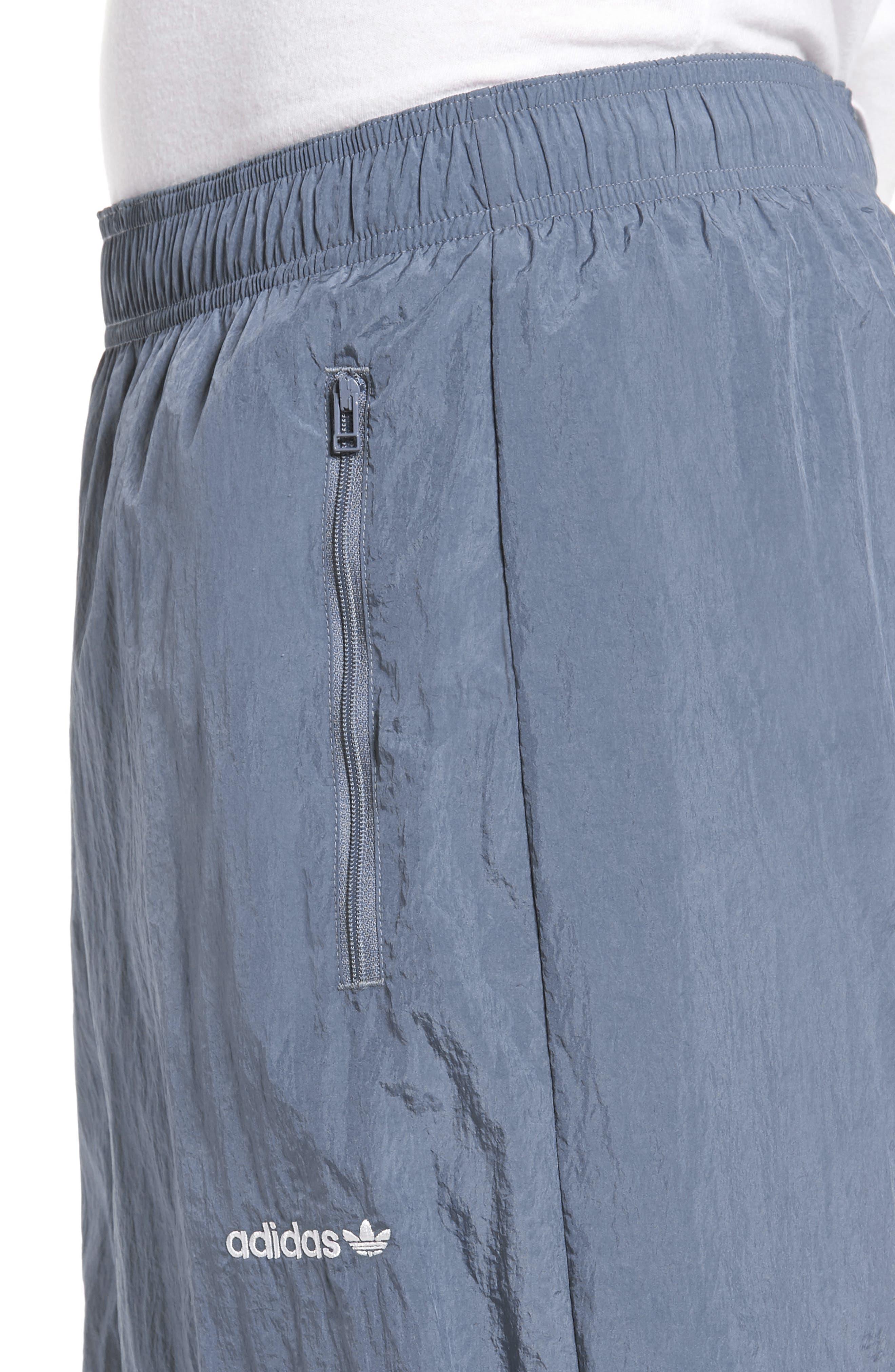 Originals V-Stripe Windpants,                             Alternate thumbnail 4, color,                             422