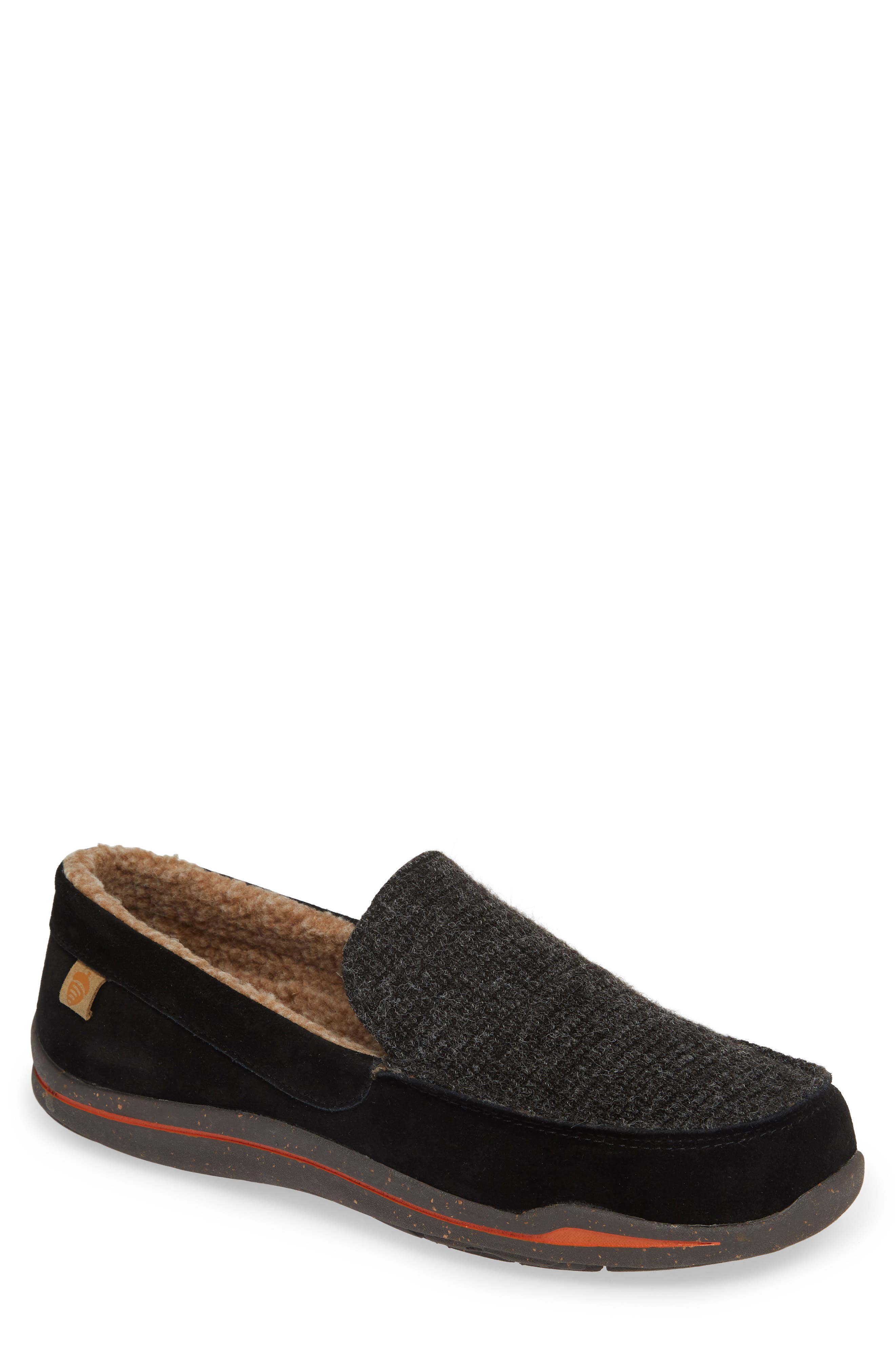 ACORN Ellsworth Moc Toe Slipper in Black