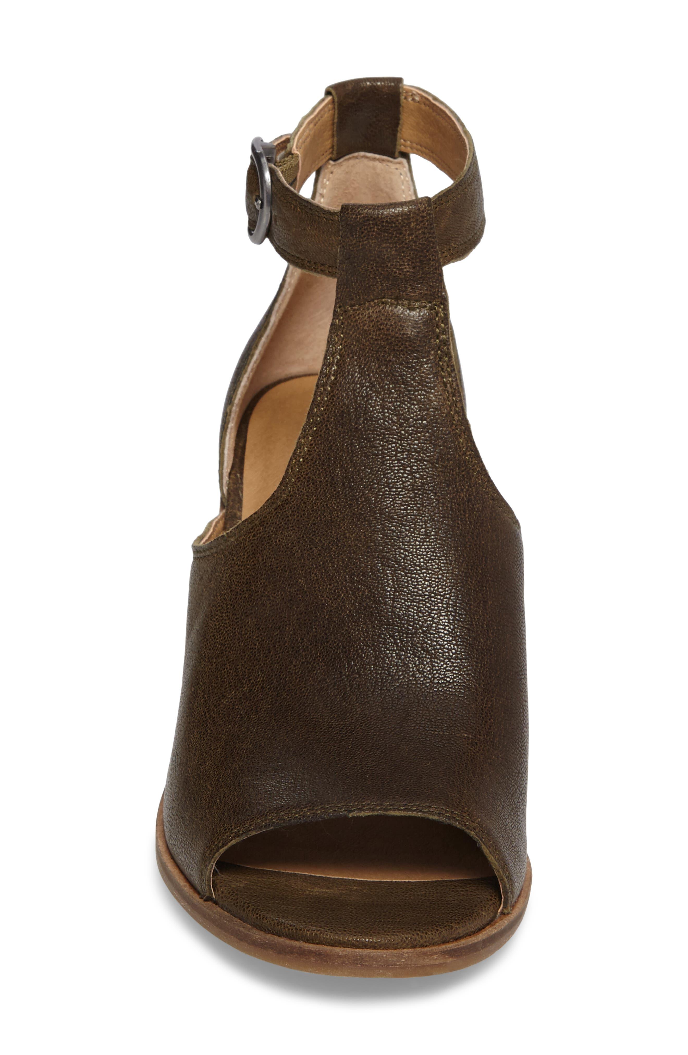 Kadian Block Heel Sandal,                             Alternate thumbnail 8, color,