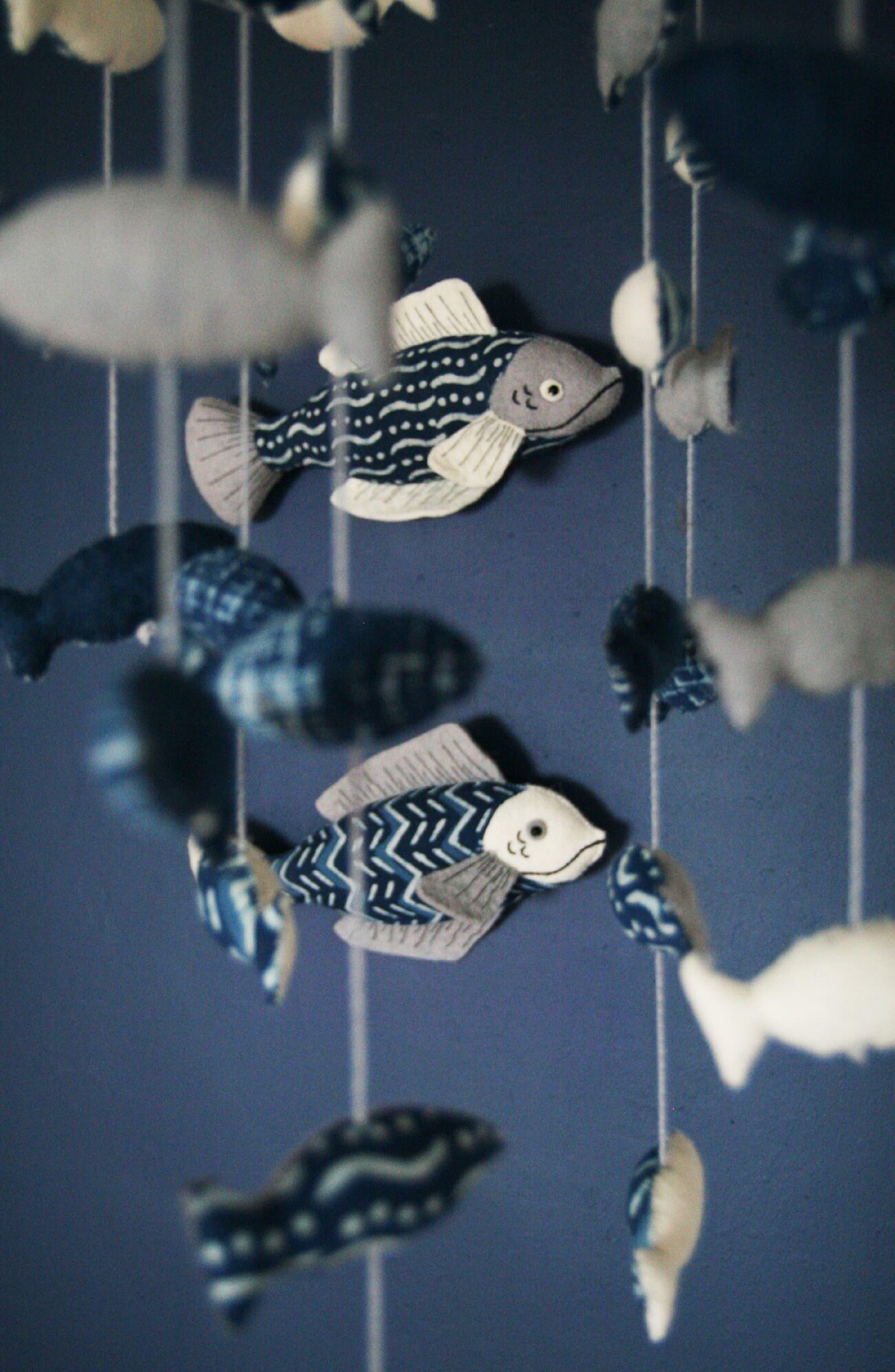 School of Fish Mobile,                             Alternate thumbnail 3, color,                             BLUE