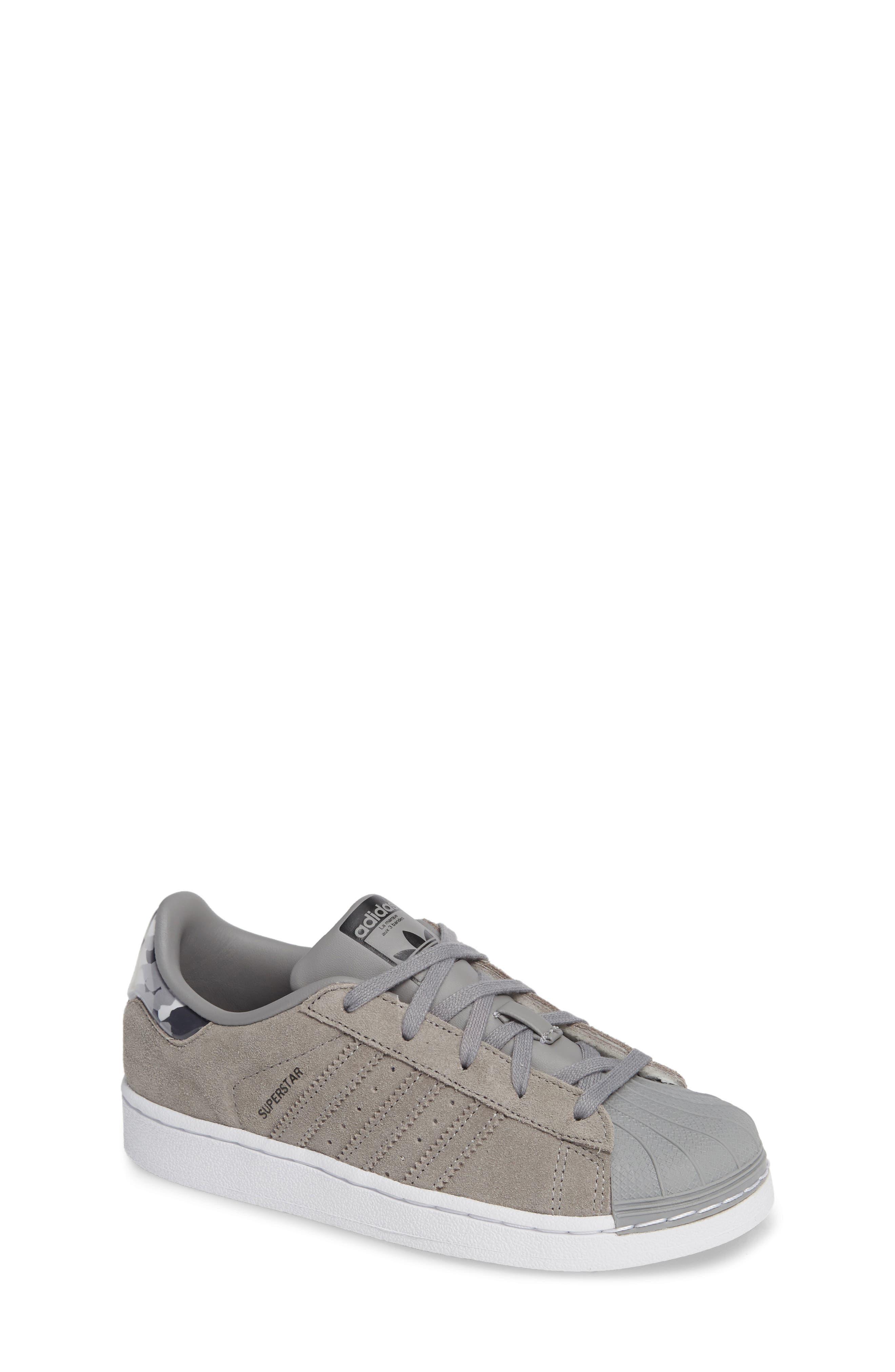 Superstar Low Top Sneaker,                         Main,                         color, 020