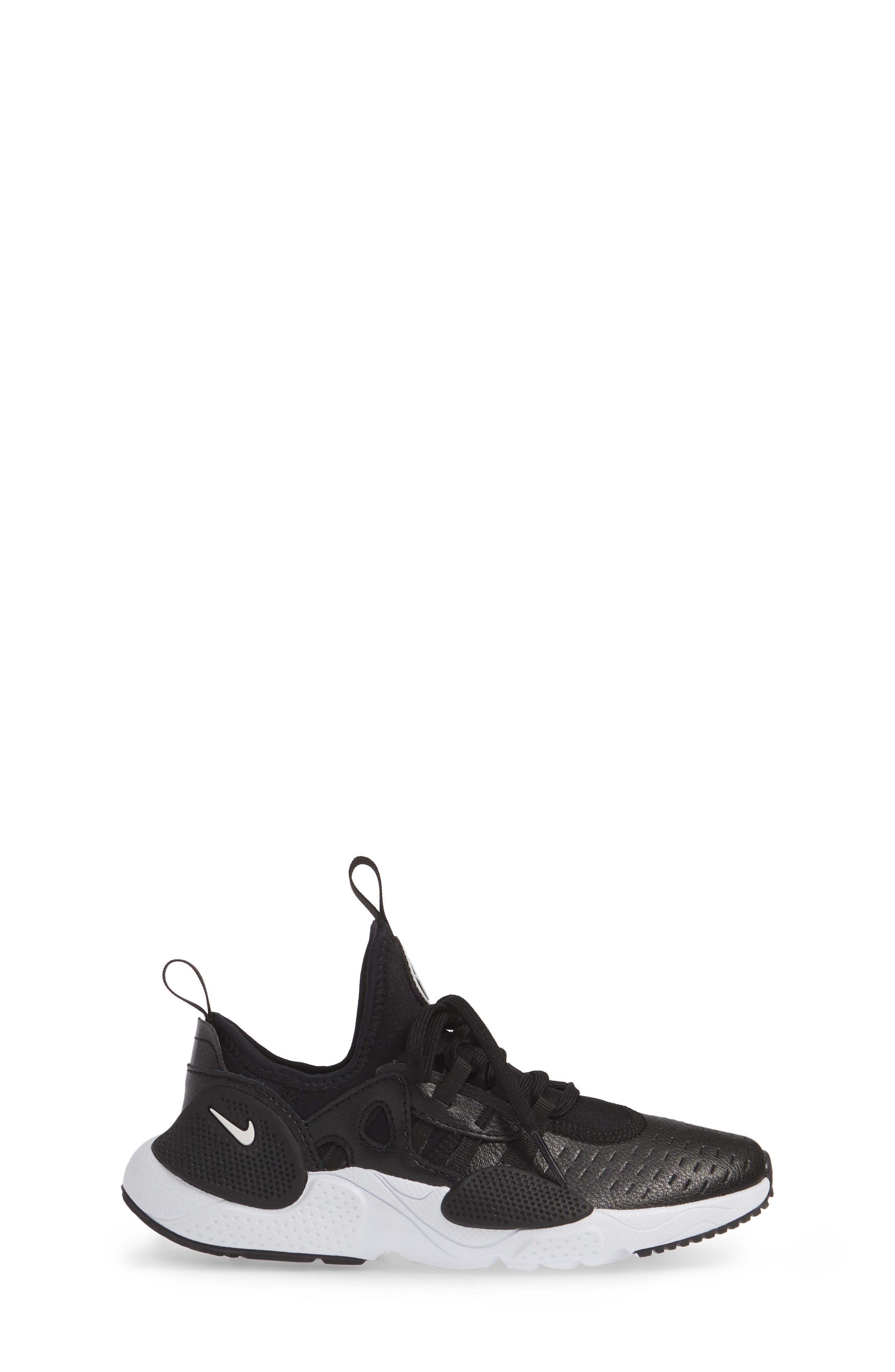 Huarache E.D.G.E. Sneaker,                             Alternate thumbnail 3, color,                             BLACK/ WHITE