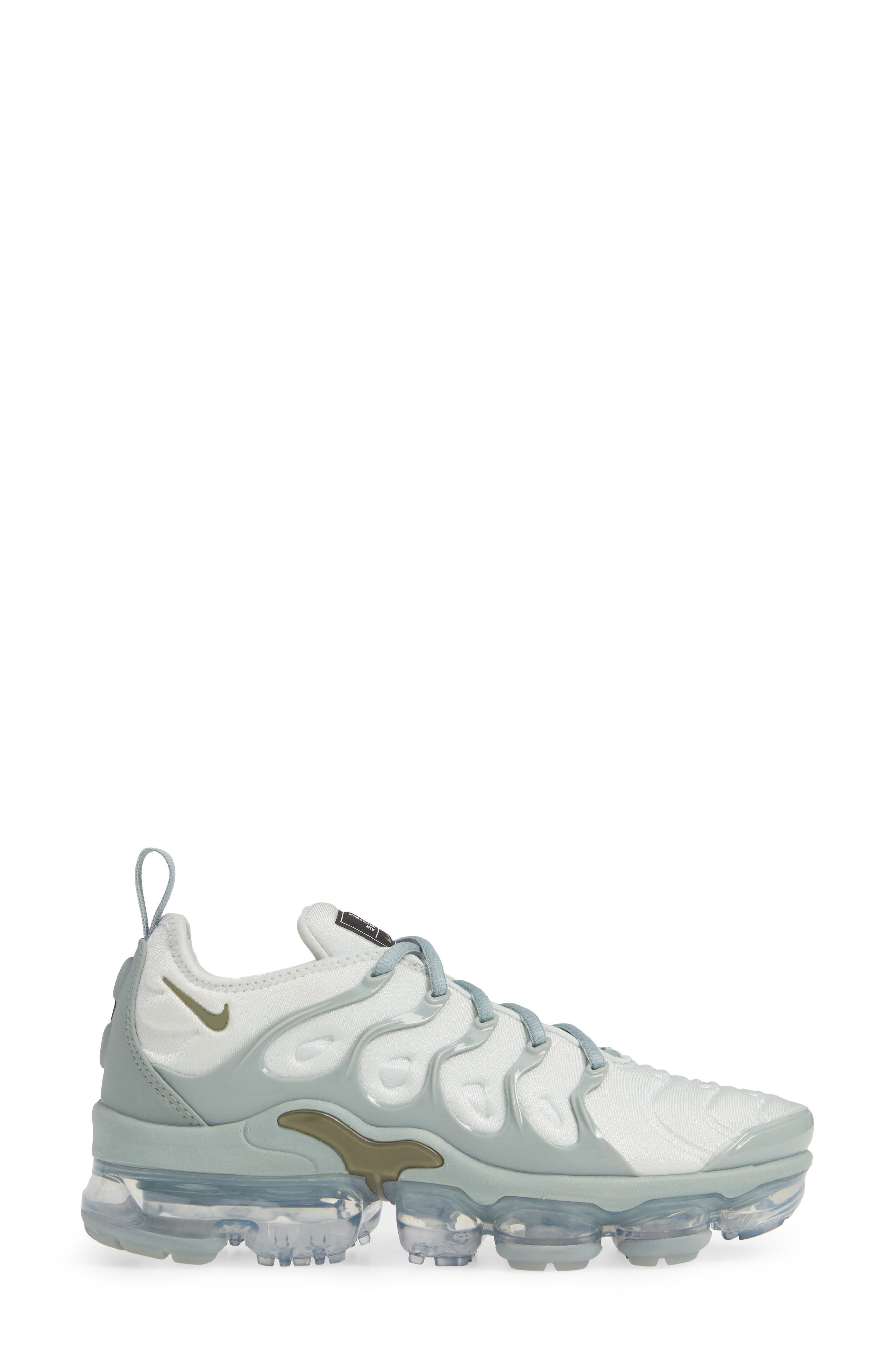 Air VaporMax Plus Sneaker,                             Alternate thumbnail 3, color,                             LIGHT SILVER/ OLIVE- GREEN