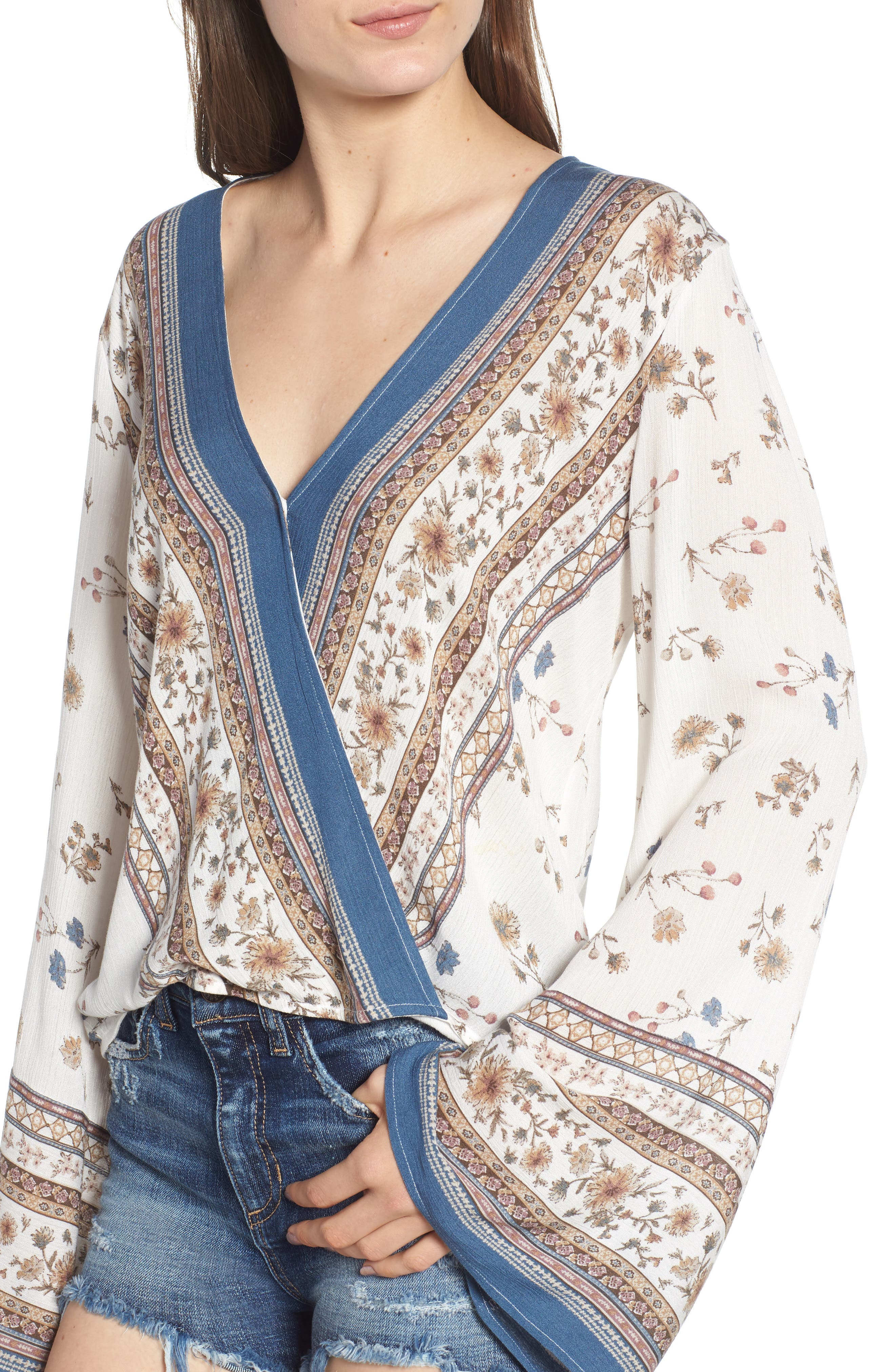 Tulum Bell Sleeve Top,                             Alternate thumbnail 4, color,                             900