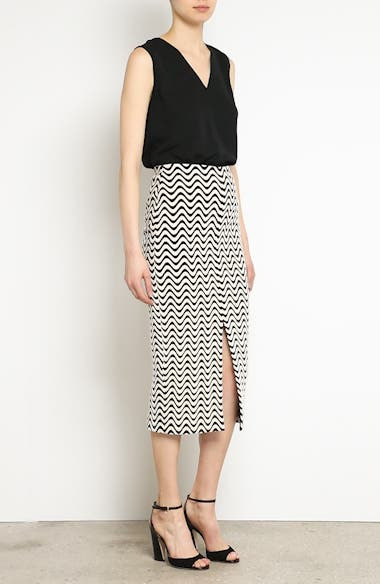 Wave Pattern Body-Con Skirt, video thumbnail