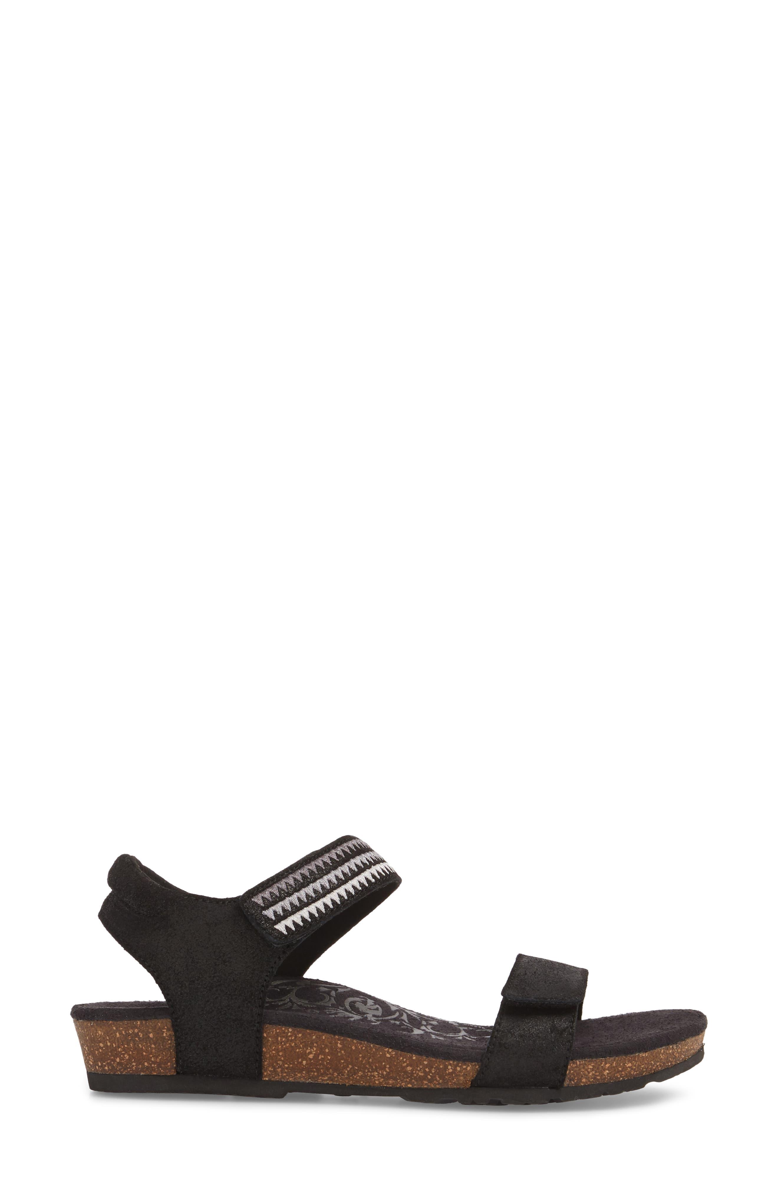 Capri Wedge Sandal,                             Alternate thumbnail 3, color,                             001
