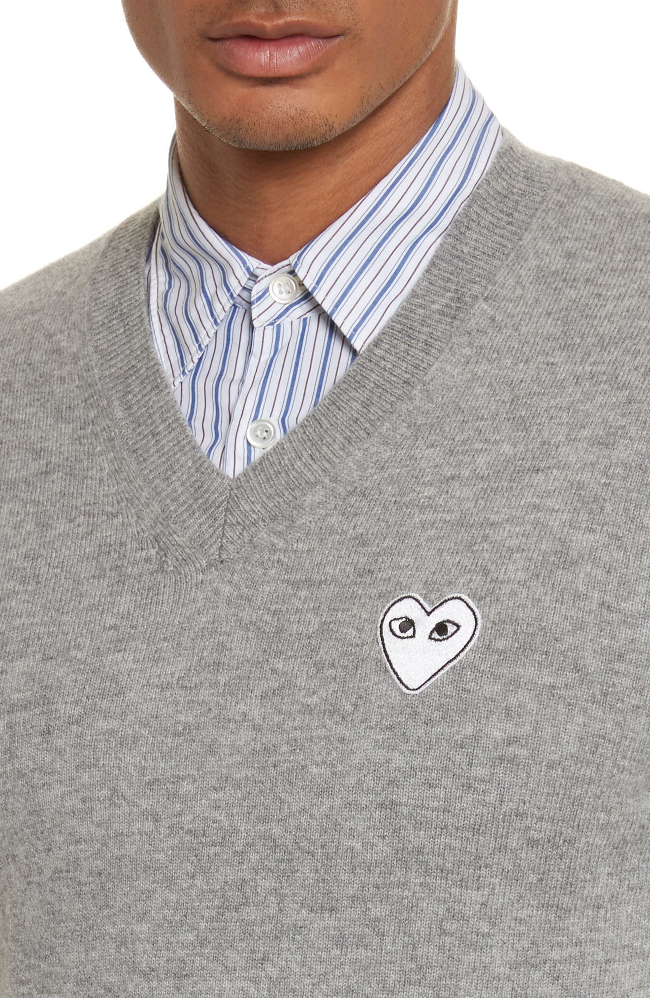White Heart Wool V-Neck Sweater,                             Alternate thumbnail 4, color,                             LIGHT GREY