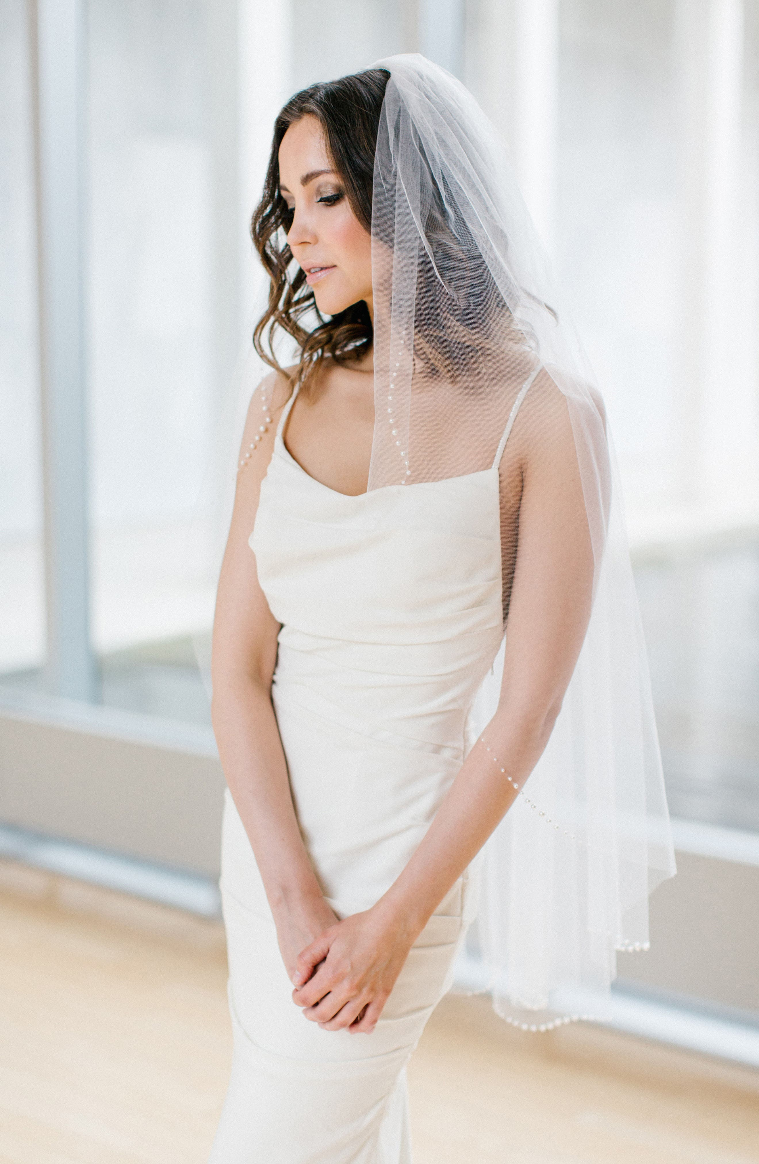 Picasso Fingertip Length Veil,                             Alternate thumbnail 3, color,                             LIGHT IVORY