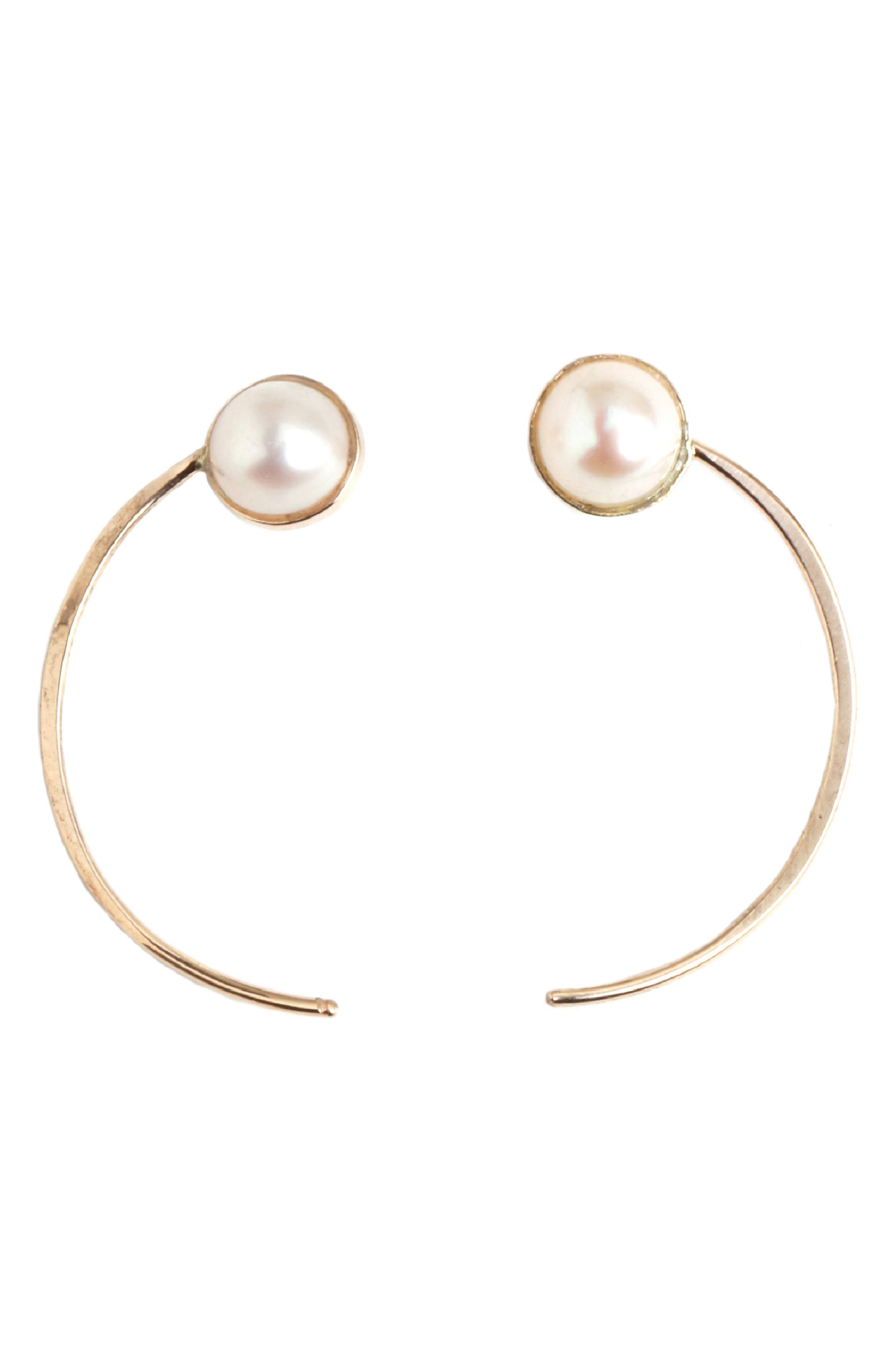 MELISSA JOY MANNING Pearl Swoop Earrings in Pearl/ Yellow Gold