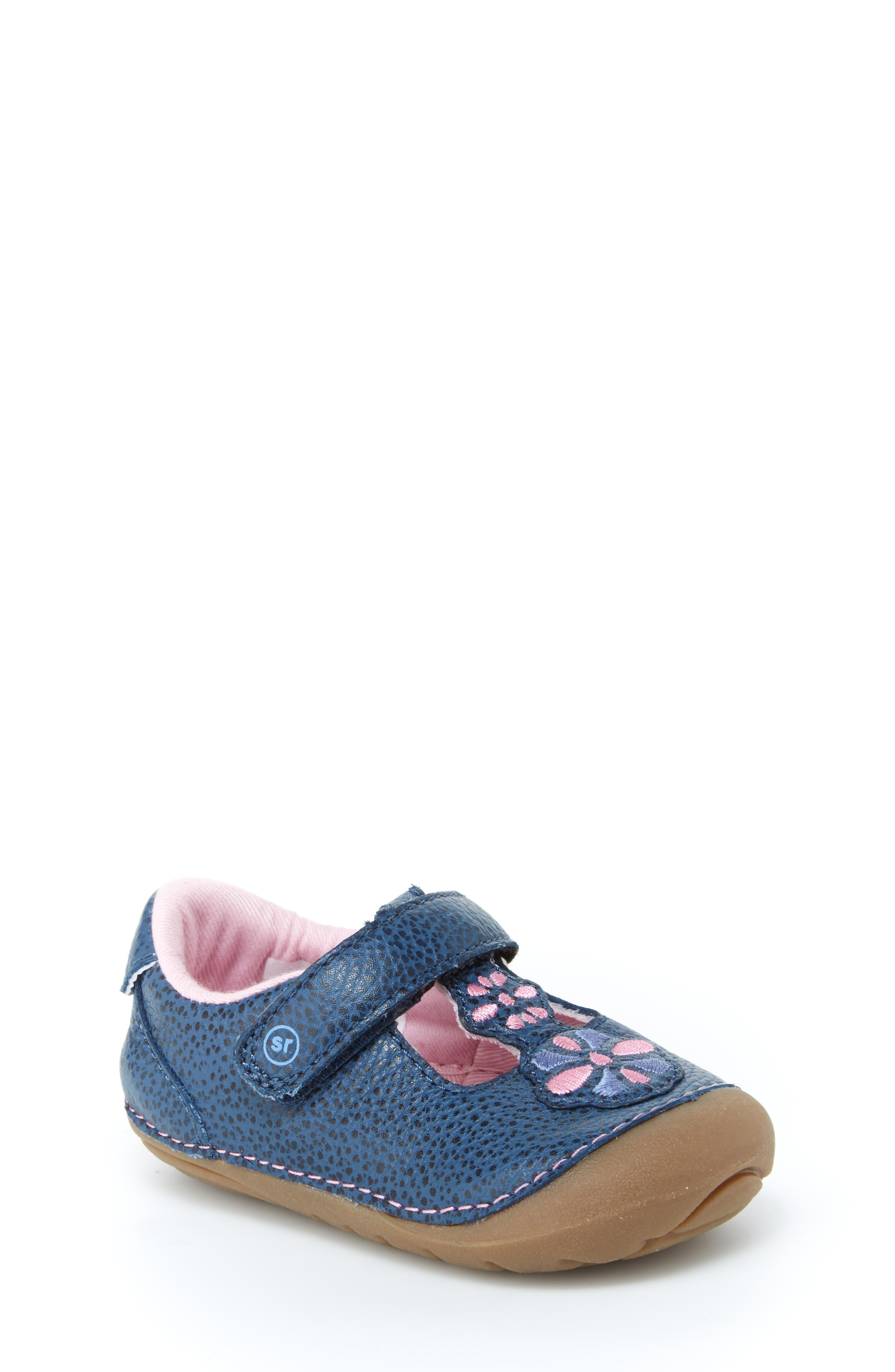 Soft Motion<sup>™</sup> Kelly Sneaker,                         Main,                         color, NAVY