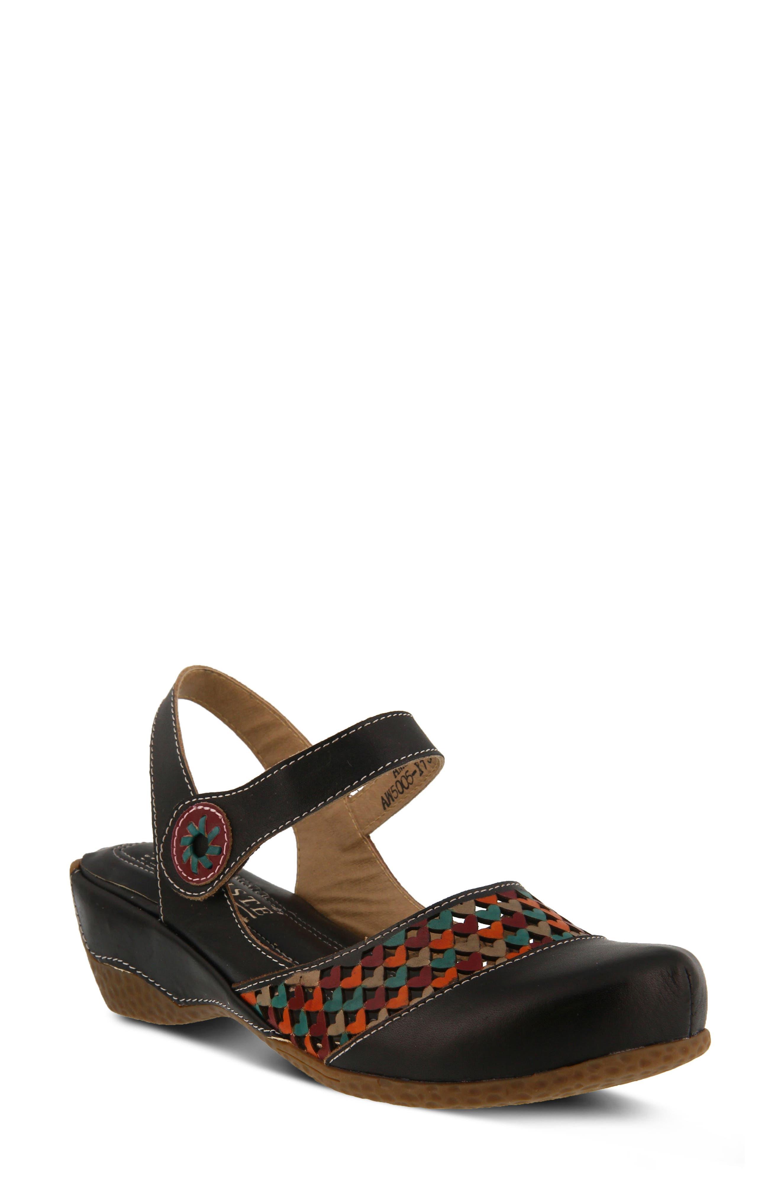 L'Artiste Amour Sandal,                         Main,                         color, BLACK LEATHER