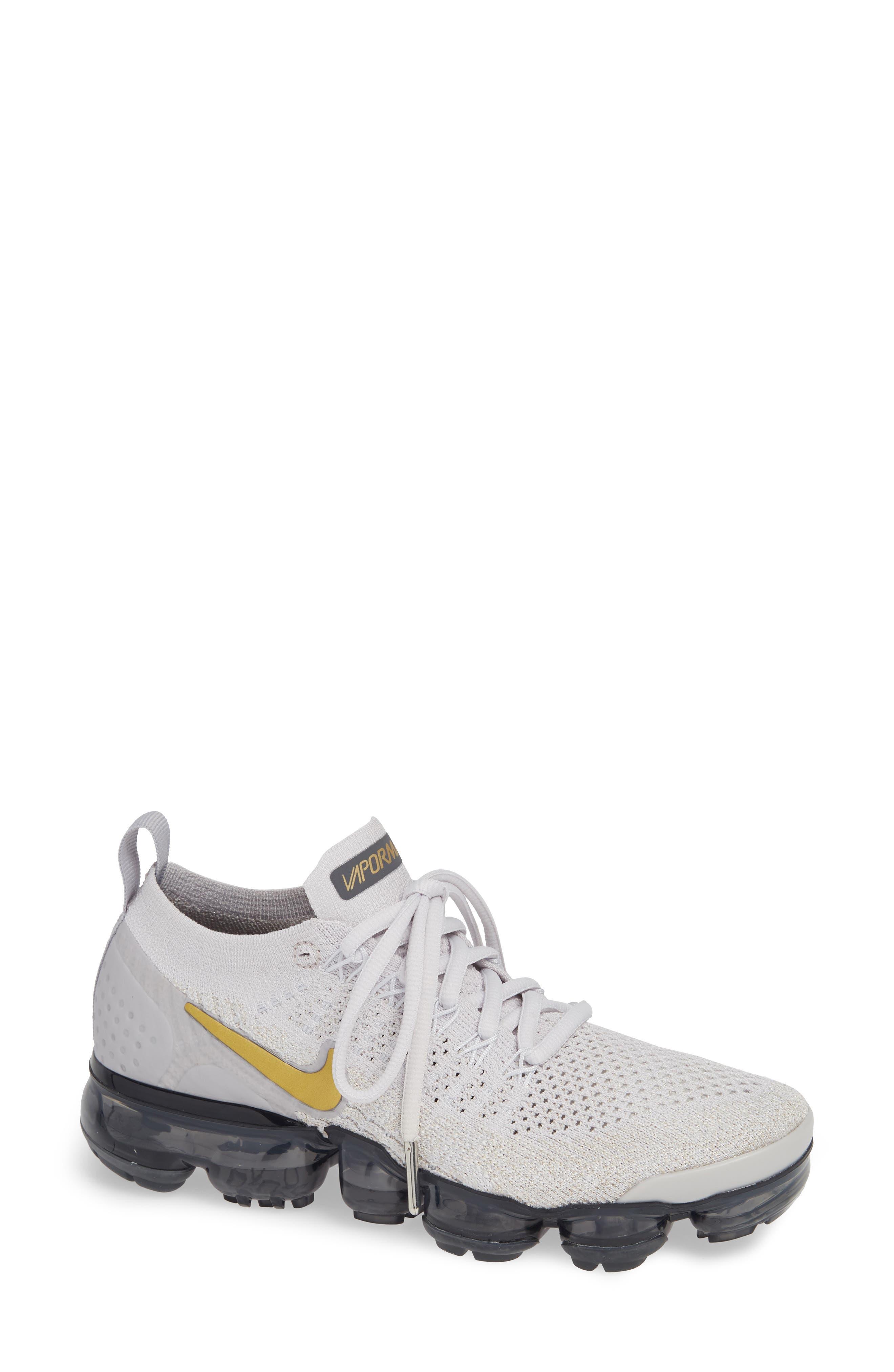Women'S Air Vapormax Flyknit 2 Running Shoes, White