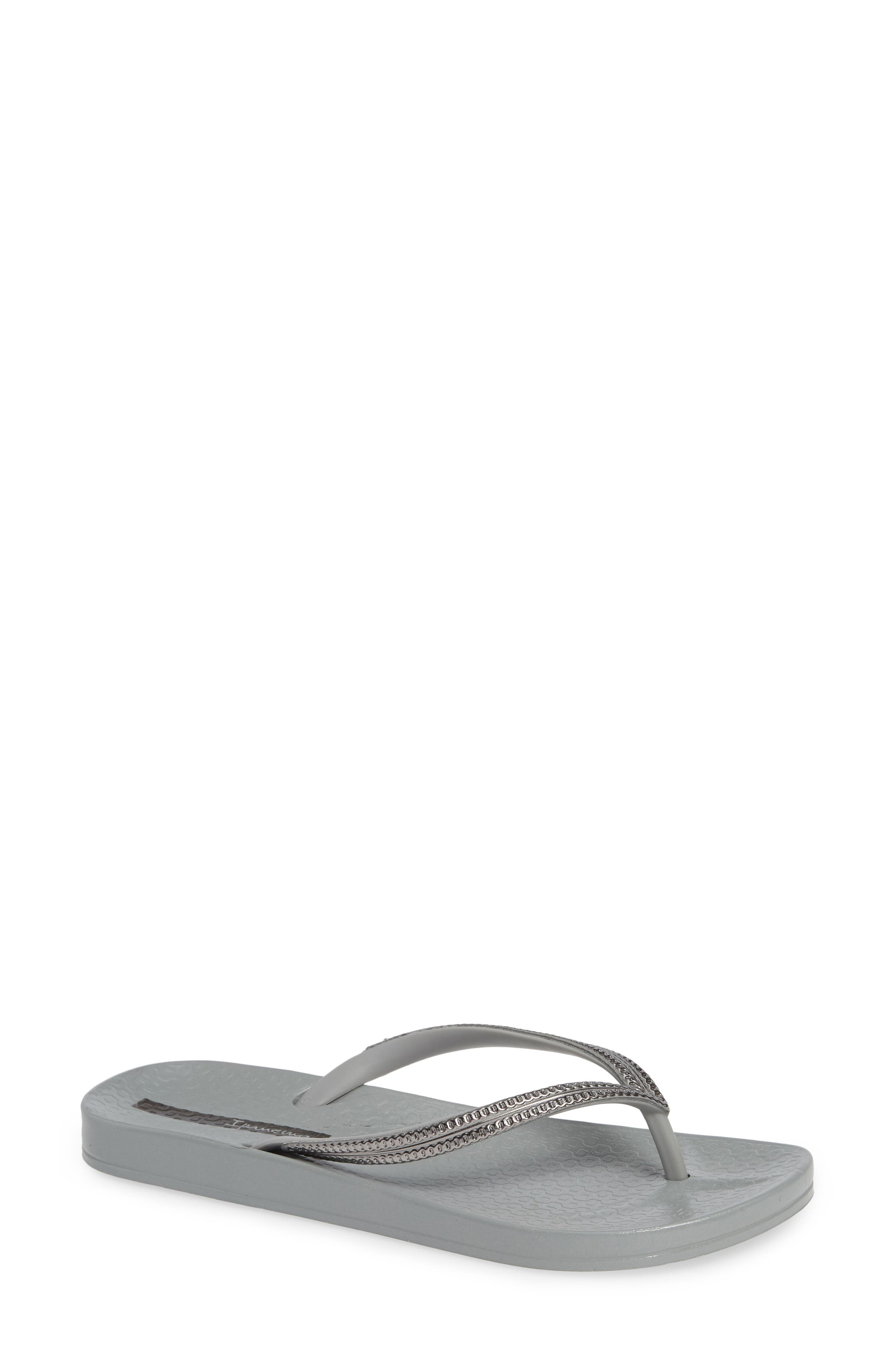 IPANEMA Ana Metallic Flip Flop in Grey/ Grey
