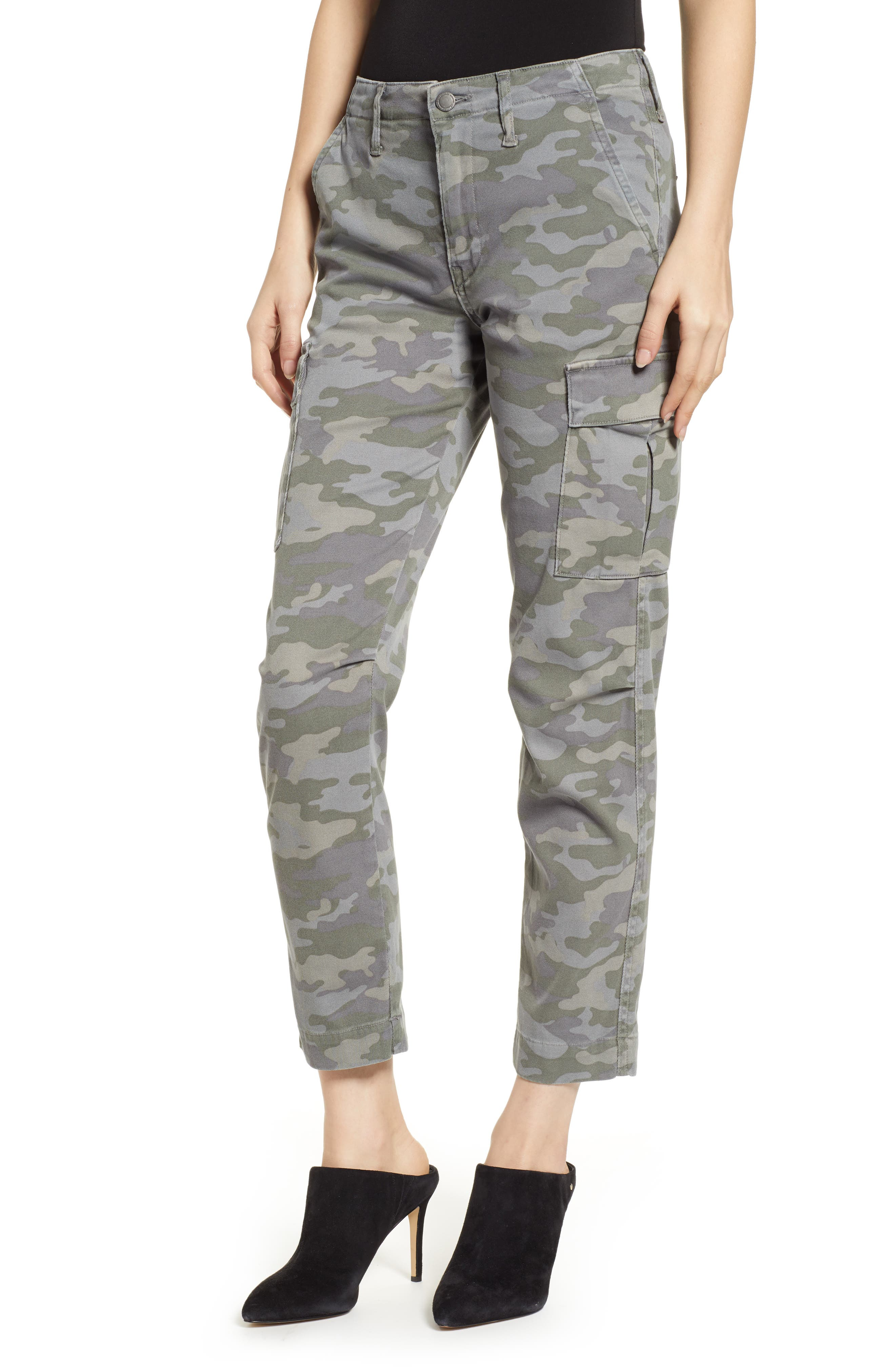 Relaxed Camo-Print Cropped Cargo Pants in Surplus Camo