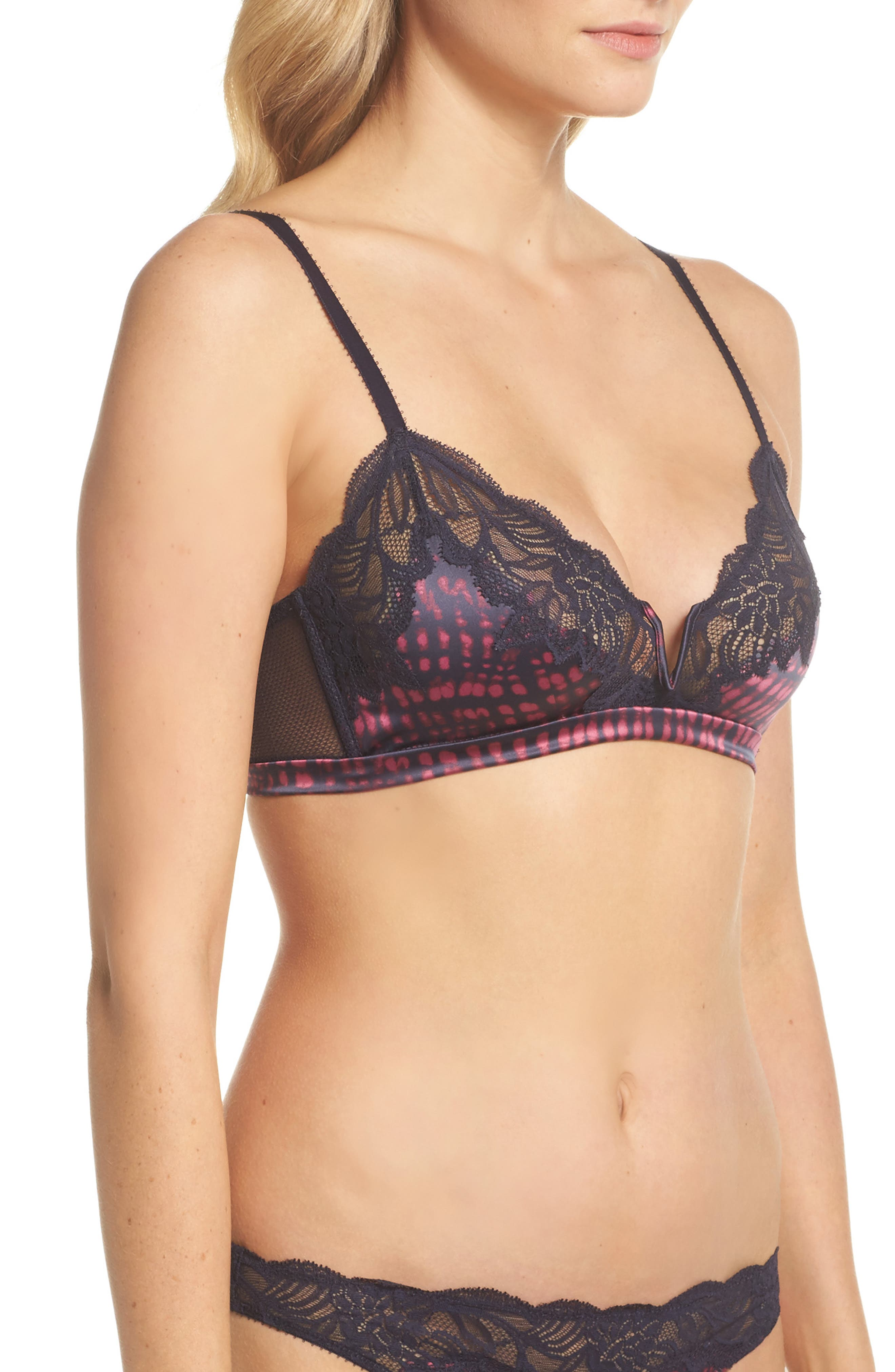 Black Enamored Wireless Triangle Bra,                             Alternate thumbnail 3, color,                             400