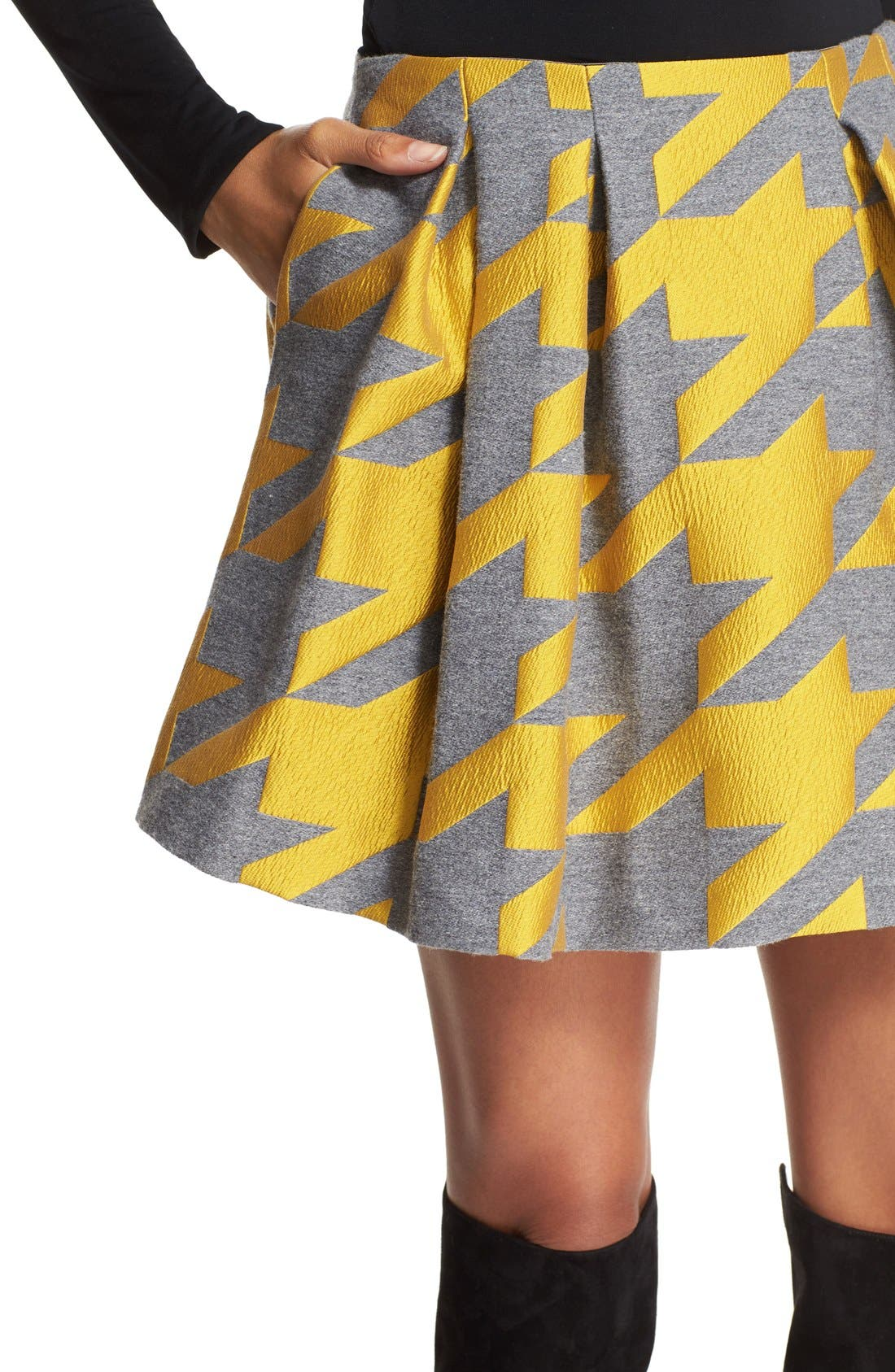 ALICE + OLIVIA,                             'Connor' Oversize Houndstooth Lampshade Skirt,                             Alternate thumbnail 4, color,                             700