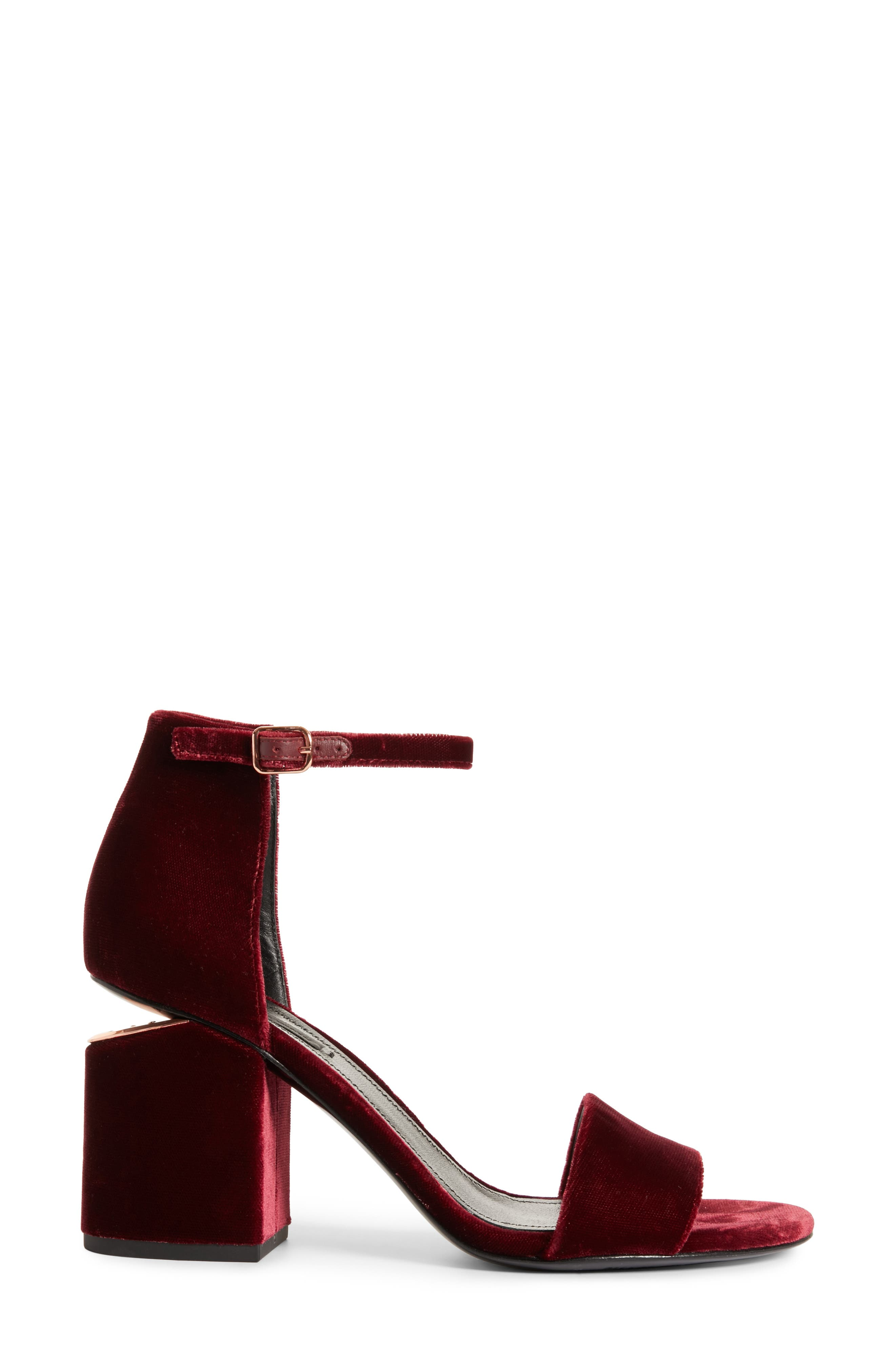 Abby Notch Heel Sandal,                             Alternate thumbnail 3, color,                             930
