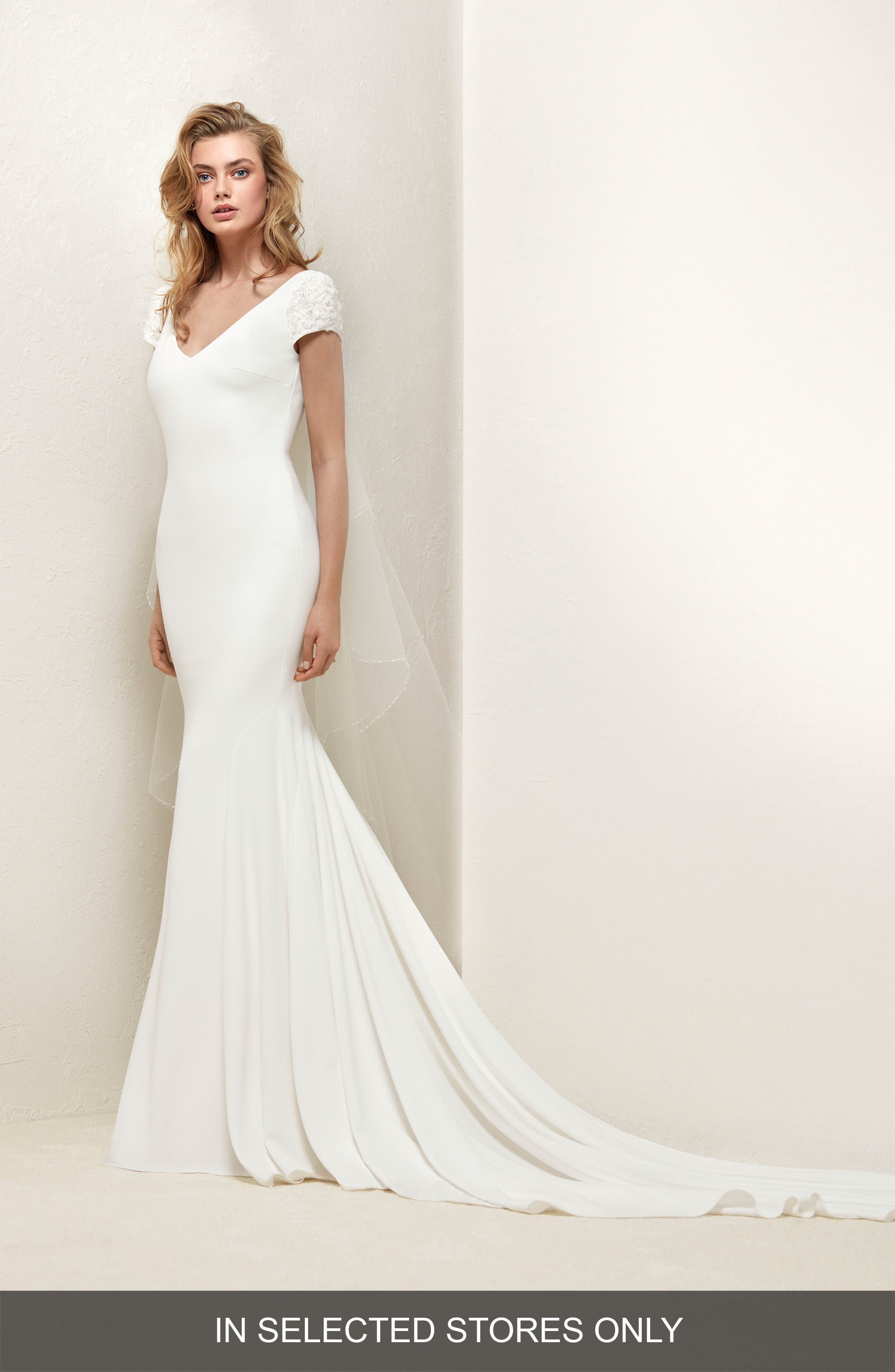 Dralan Beaded Sleeve Crepe & Tulle Mermaid Gown,                         Main,                         color, OFF WHITE