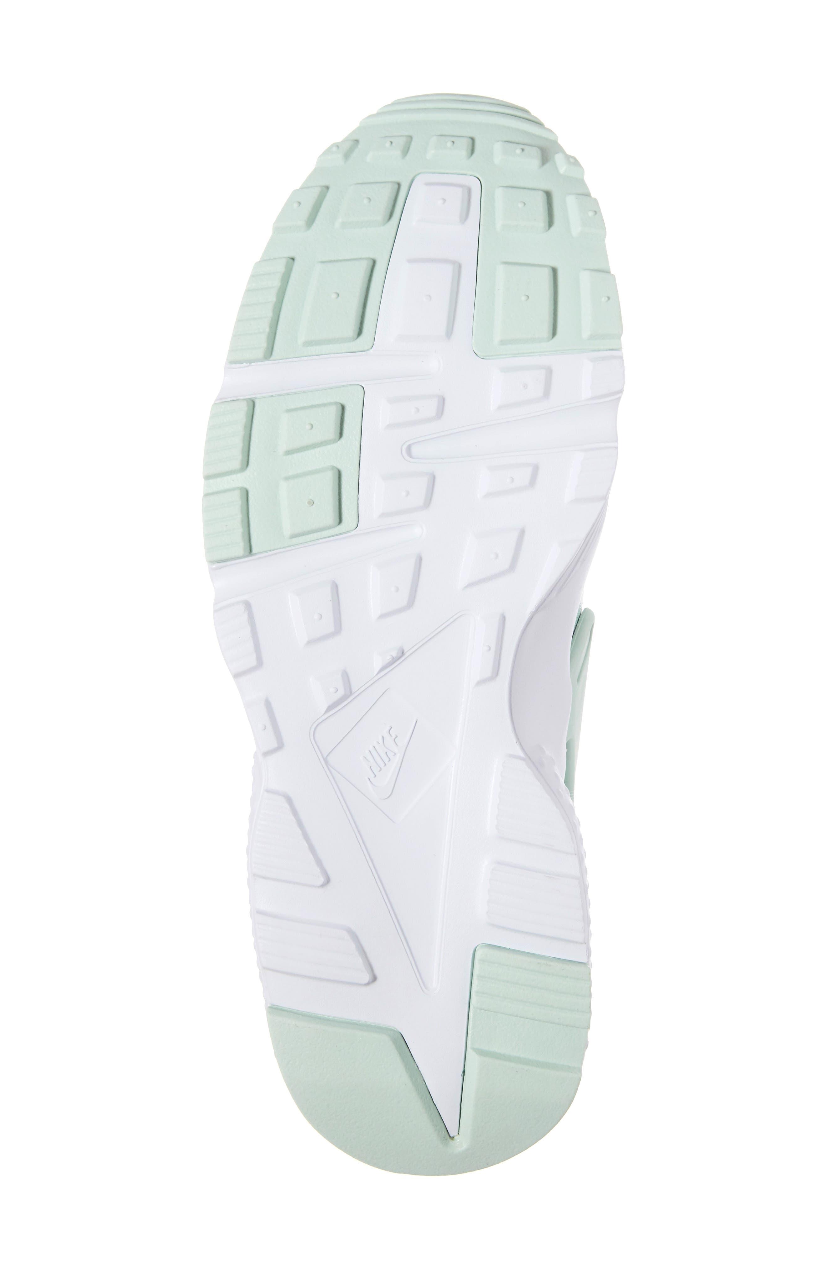 Huarache Run SE Sneaker,                             Alternate thumbnail 36, color,