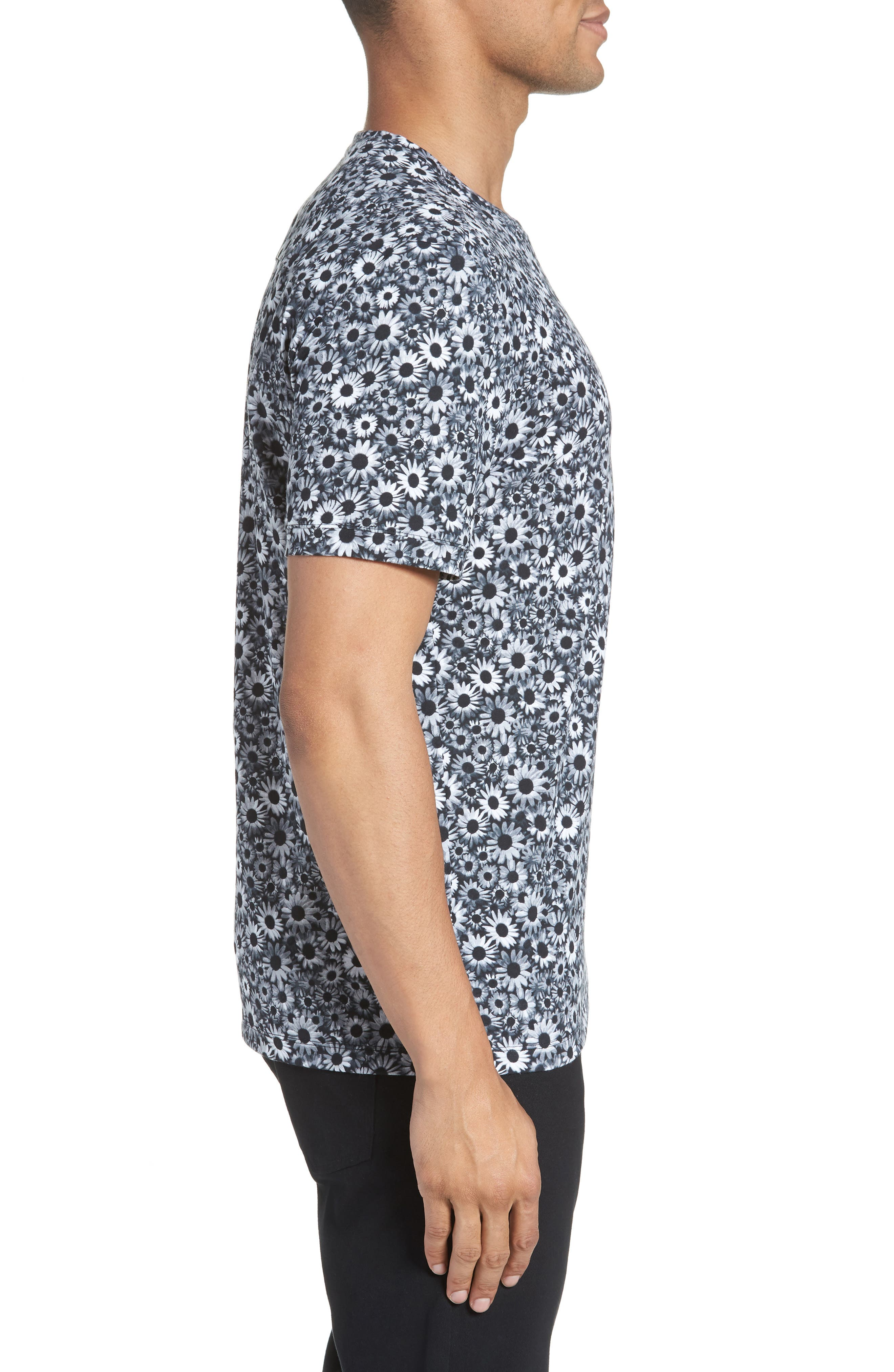 Print T-Shirt,                             Alternate thumbnail 3, color,                             BLACK WHITE DAISY FLORAL