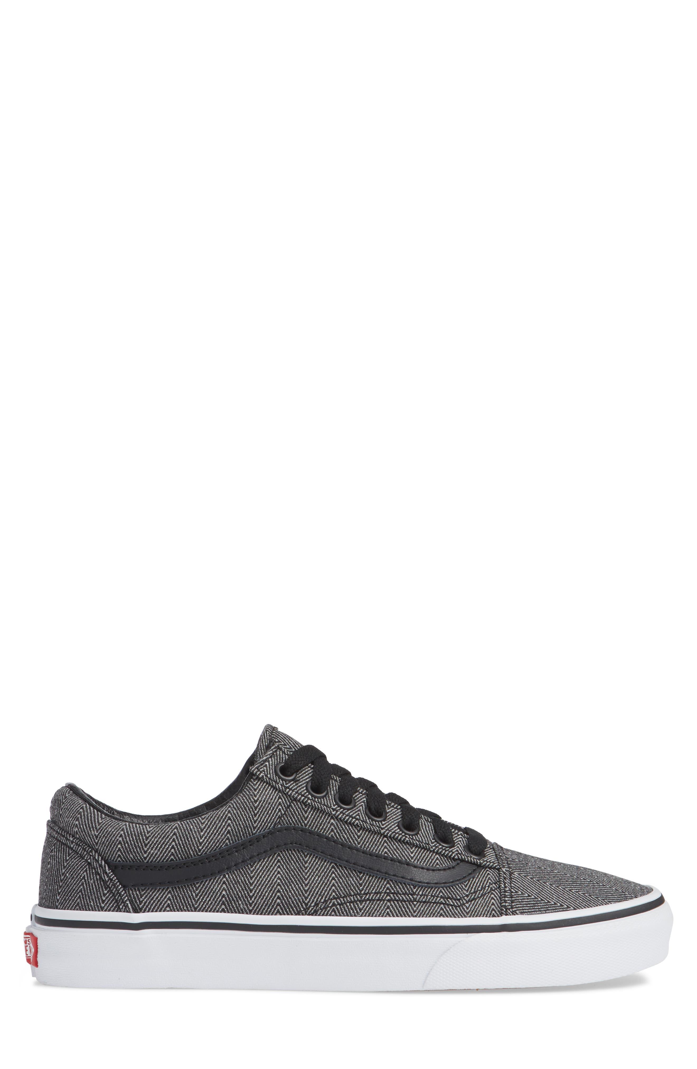 UA Old Skool Sneaker,                             Alternate thumbnail 3, color,                             BLACK/ TRUE WHITE