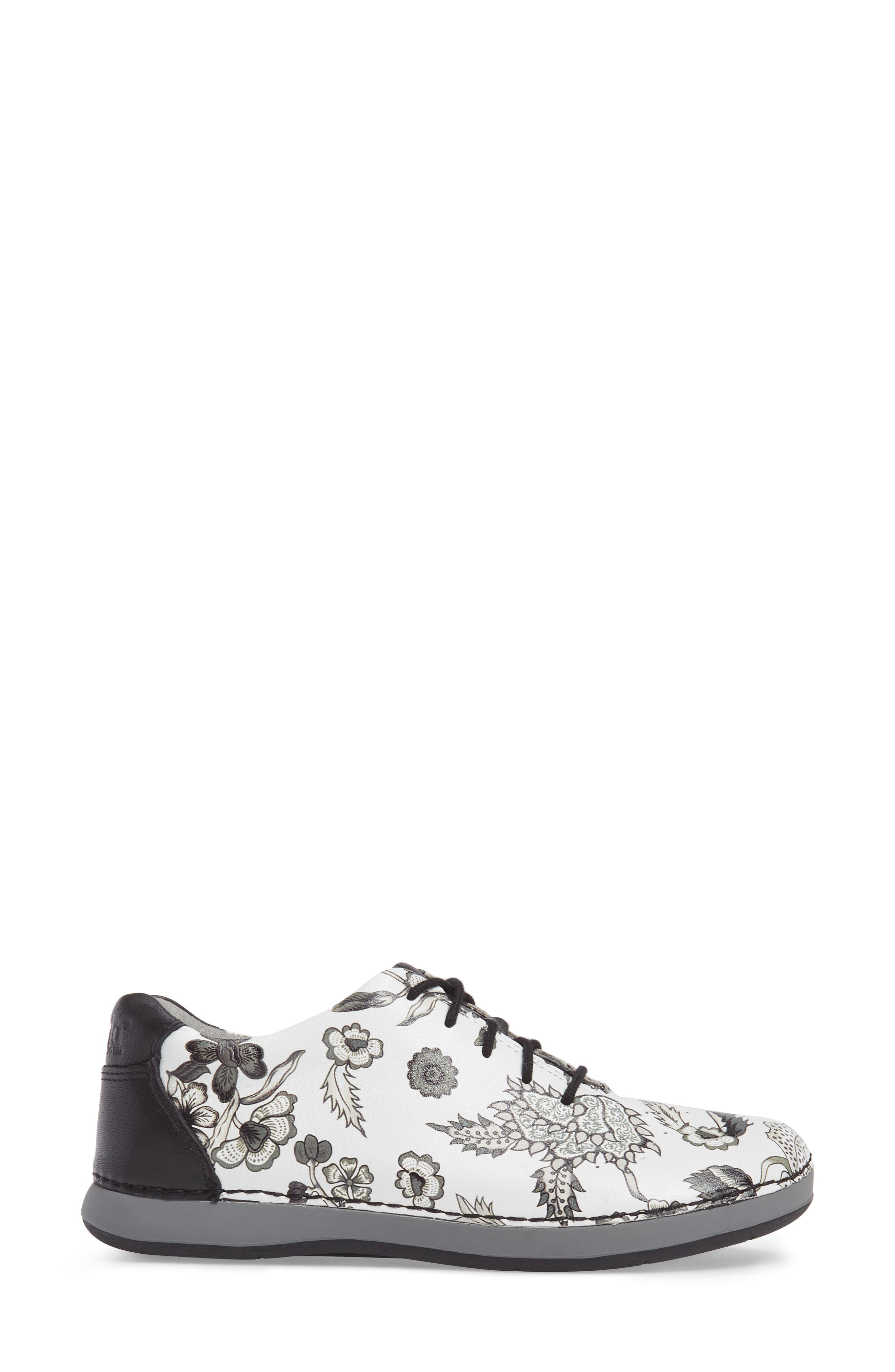 Essence Lace-Up Leather Oxford,                             Alternate thumbnail 69, color,
