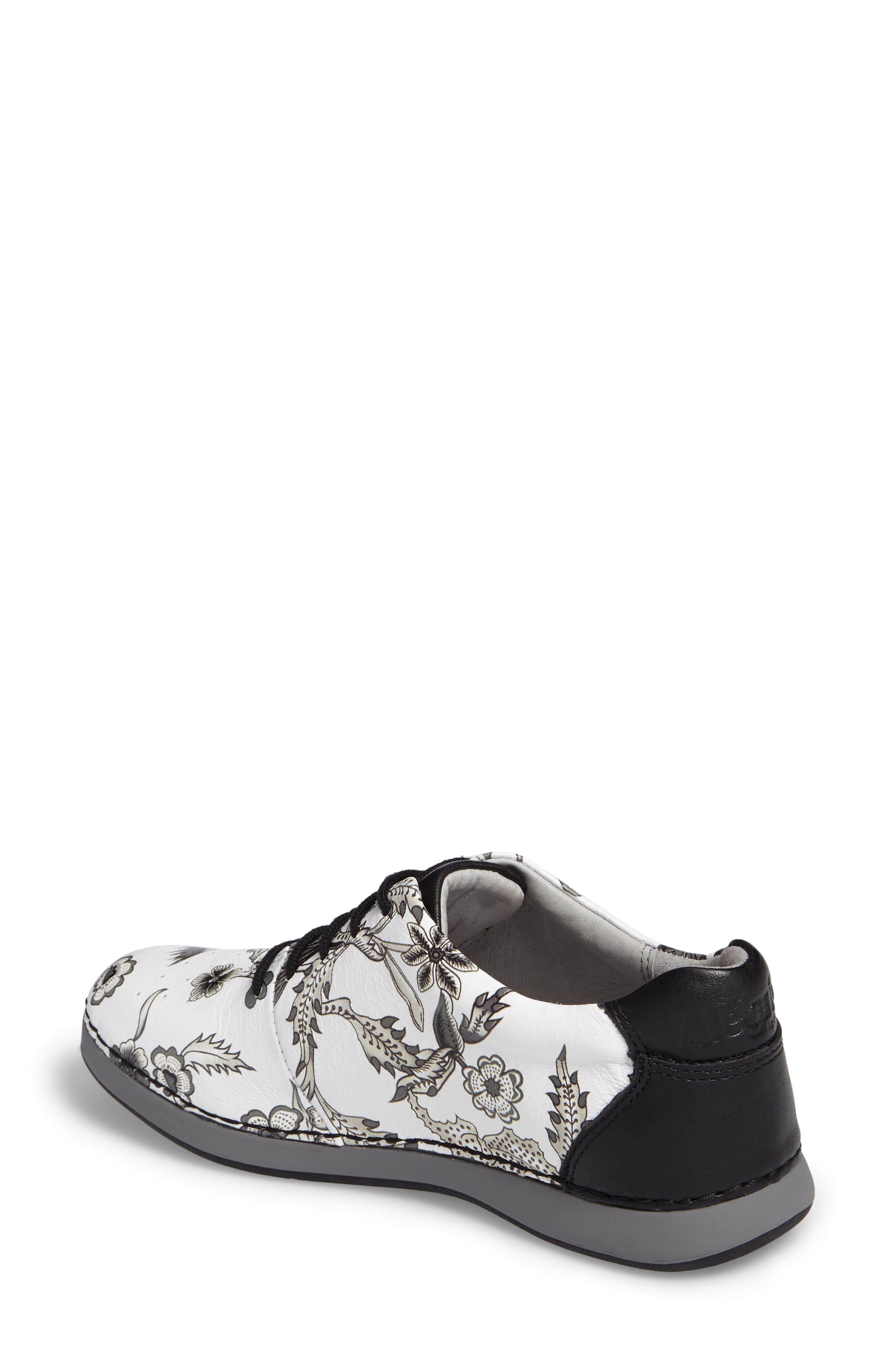 Essence Lace-Up Leather Oxford,                             Alternate thumbnail 38, color,