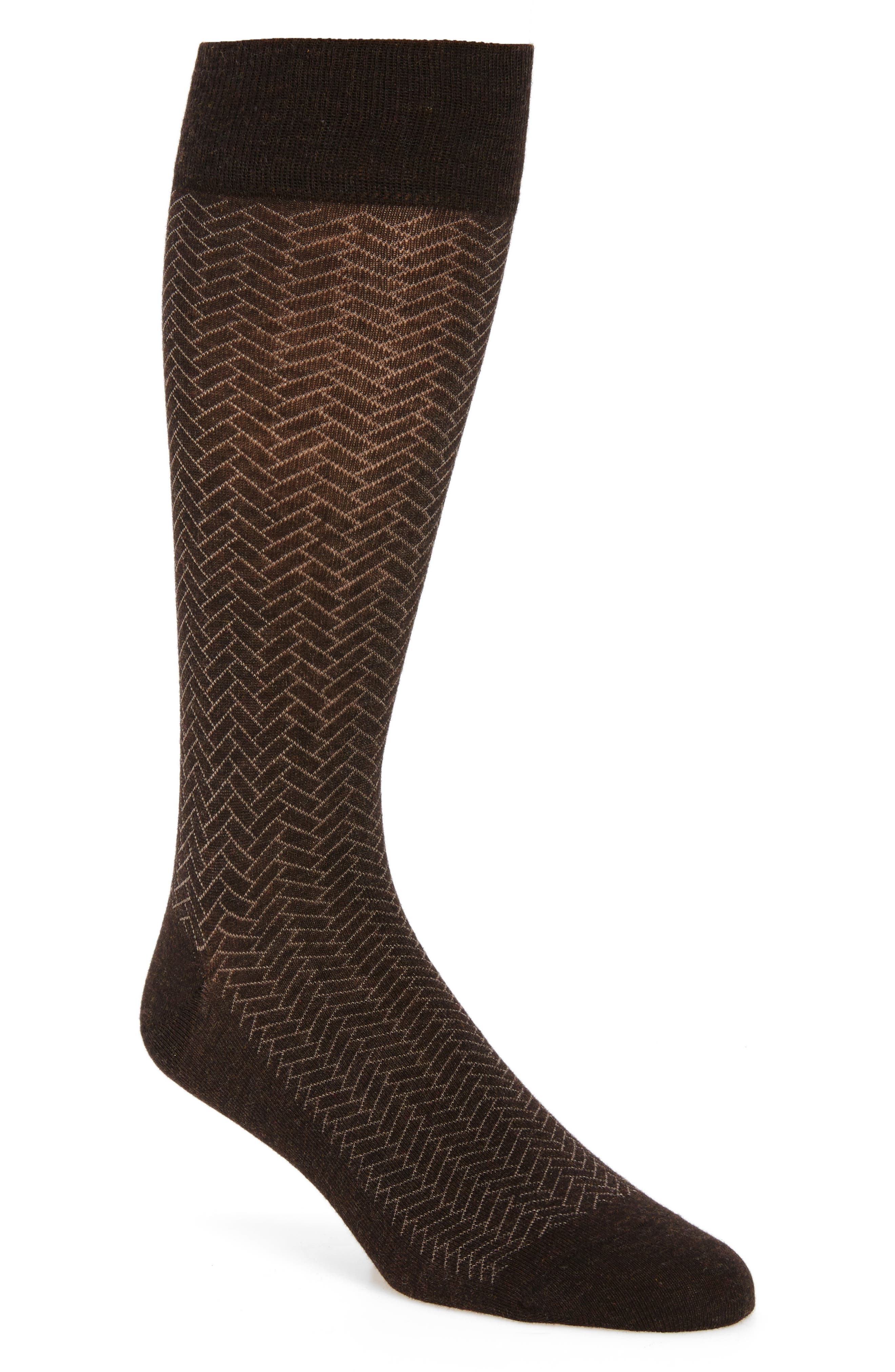 Vintage Men's Socks History-1900 to 1960s Mens Cole Haan Geometric Crew Socks Size One Size - Brown $12.50 AT vintagedancer.com
