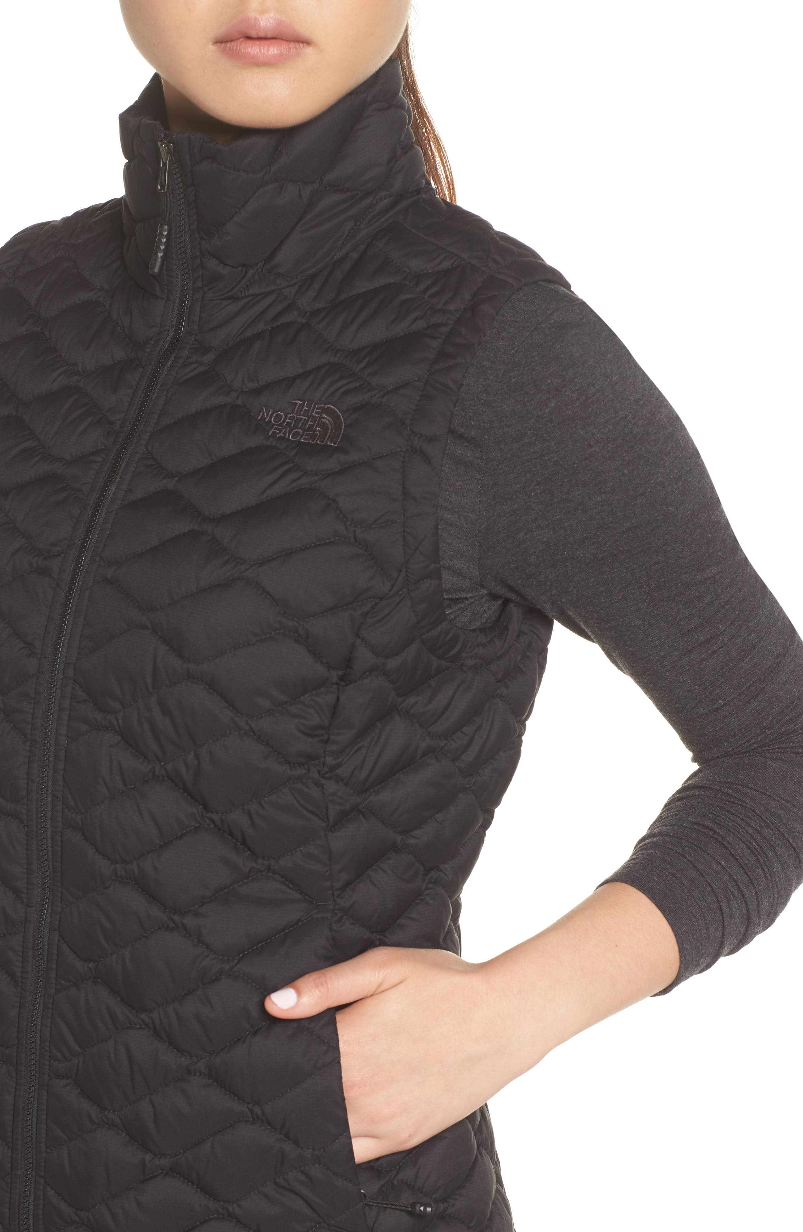 THE NORTH FACE,                             ThermoBall<sup>™</sup> PrimaLoft<sup>®</sup> Vest,                             Alternate thumbnail 4, color,                             TNF BLACK MATTE