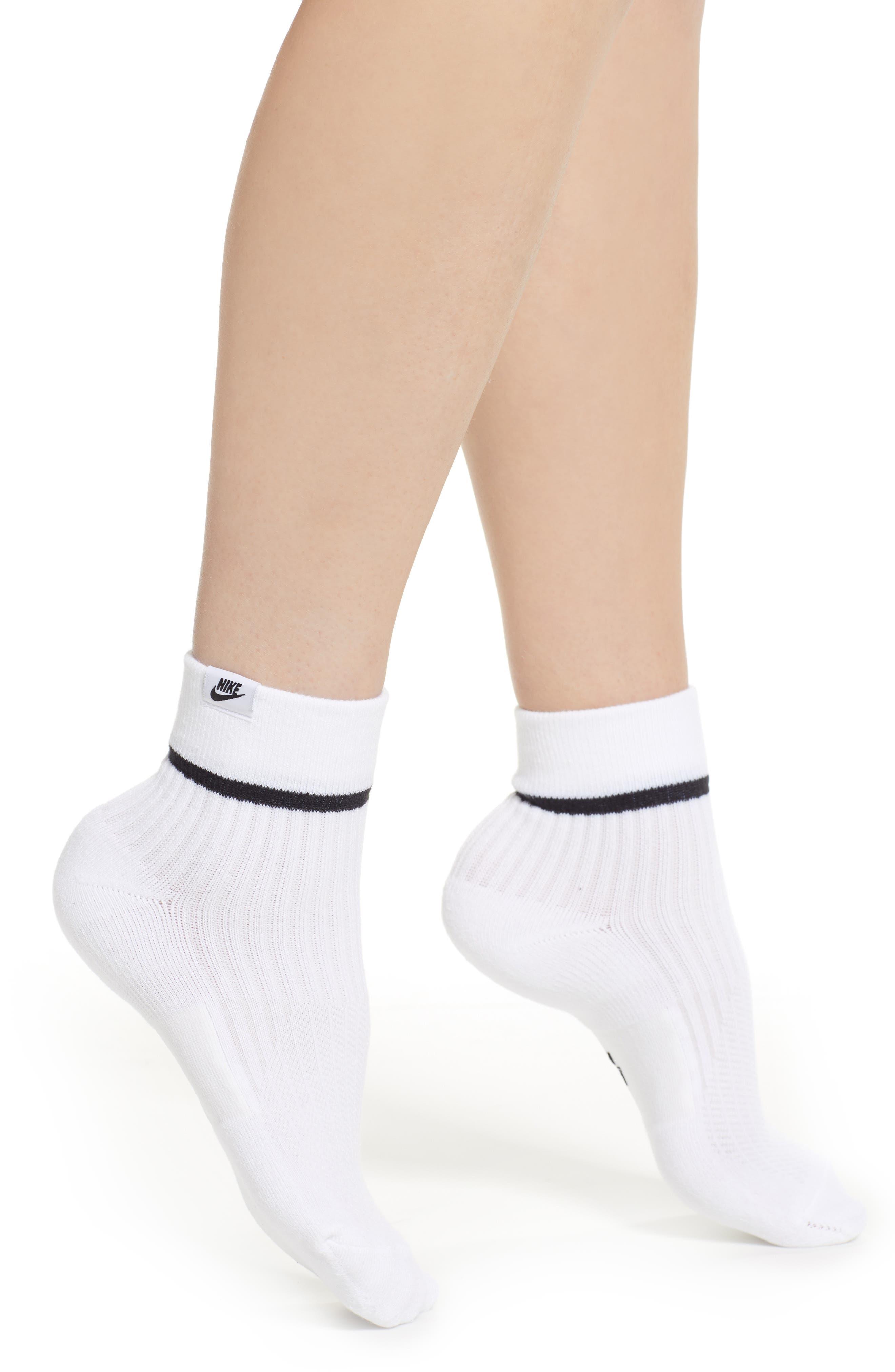 2-Pack Snkr Sox Essential Ankle Socks in White/ Black/ Black