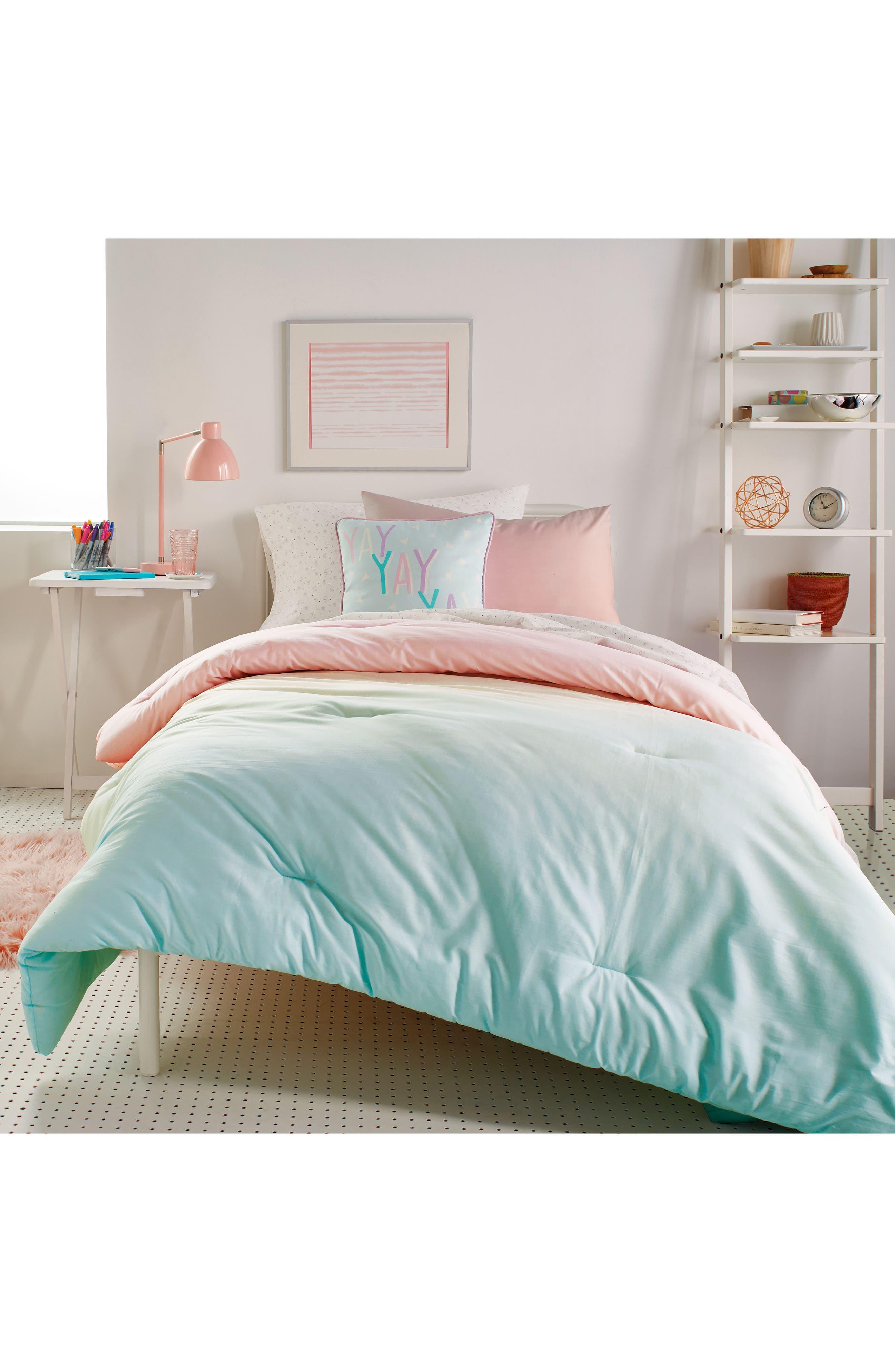 Dkny Empire Light Duvet Sham  Accent Pillow Set Size FullQueen  Pink