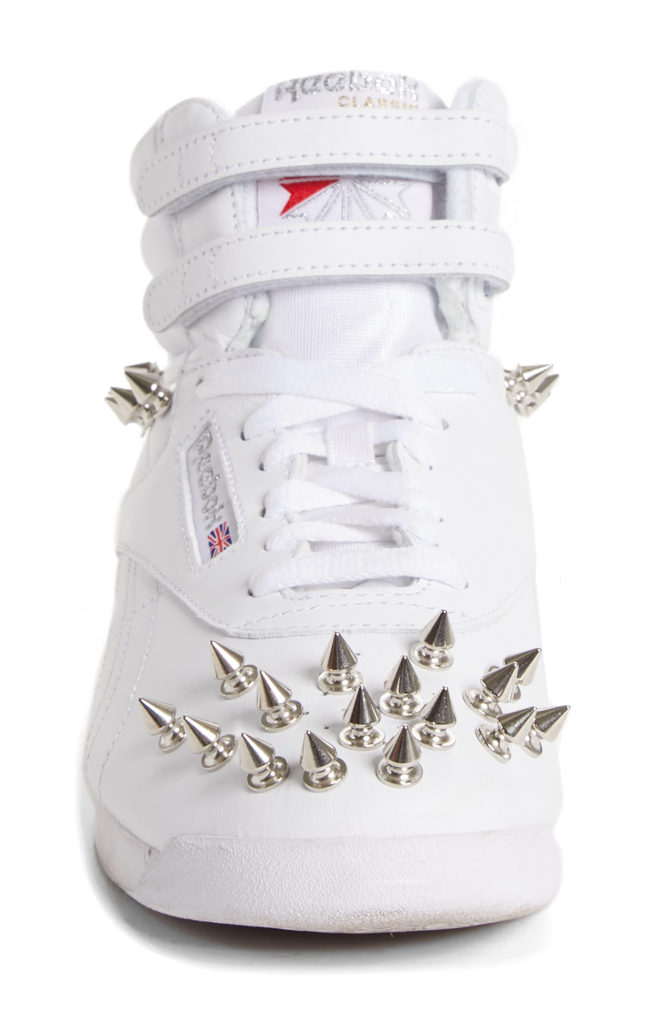x Reebok Studded Sneaker,                             Alternate thumbnail 4, color,                             WHITE