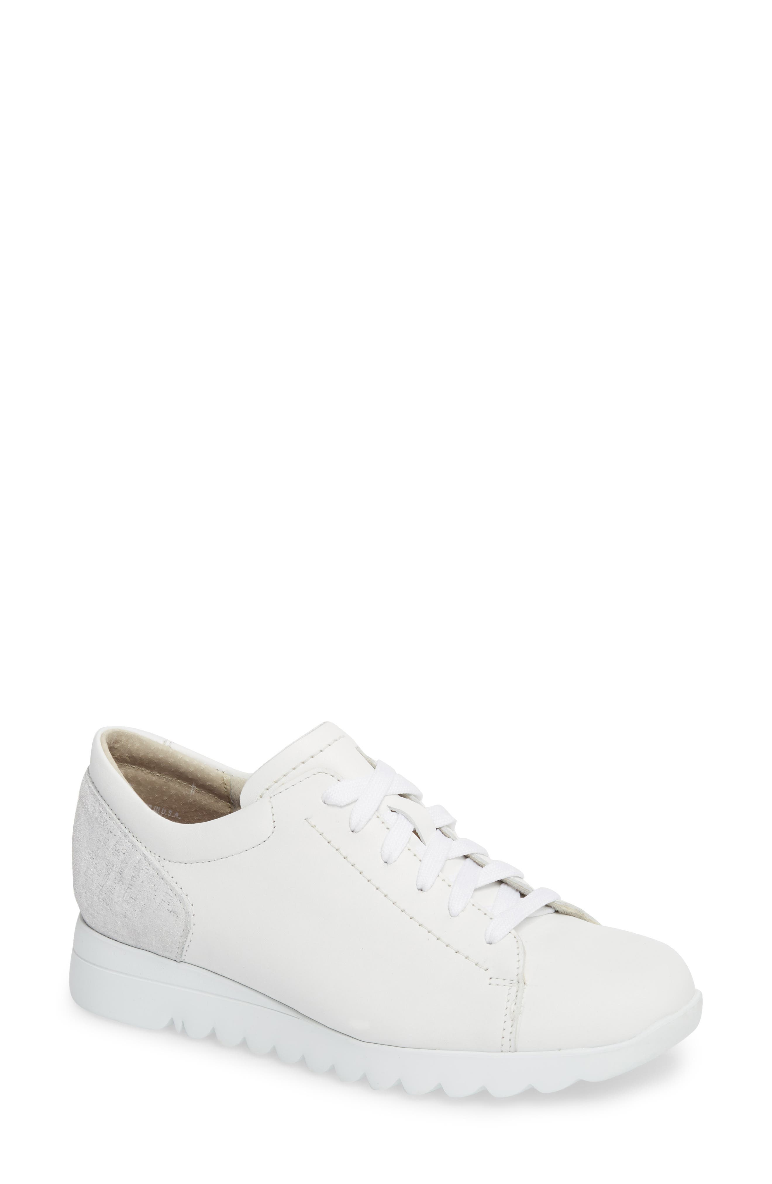 MUNRO Kellee Derby in White/ Silver Leather