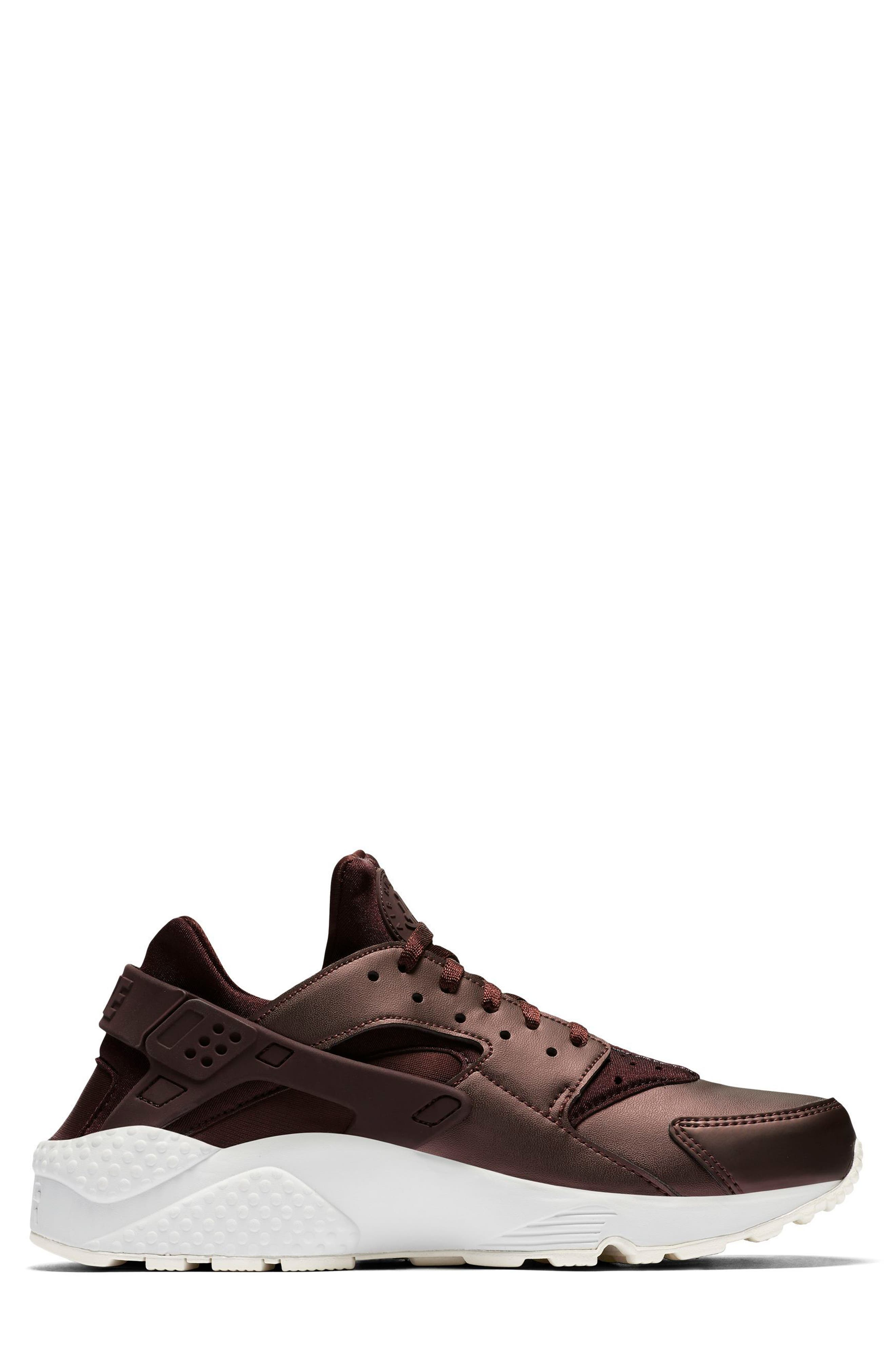 Air Huarache Run Premium Sneaker,                             Alternate thumbnail 6, color,