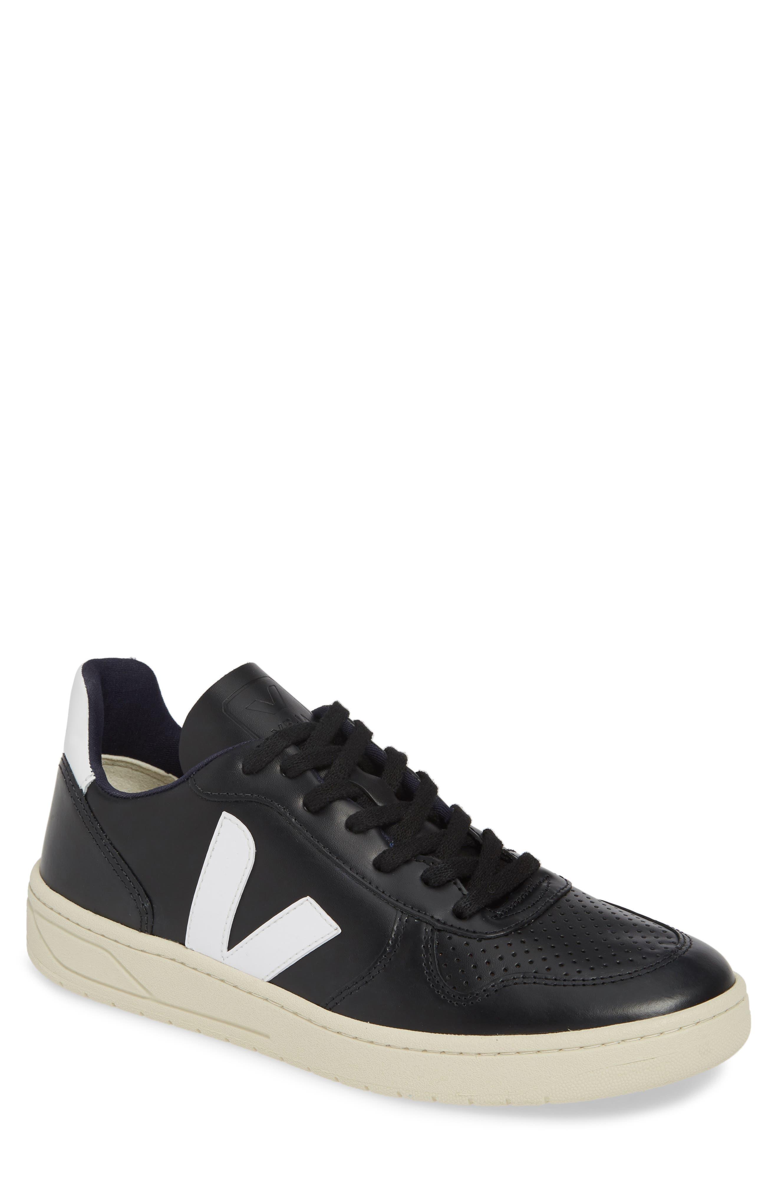 Veja V-10 Sneaker, US / 44EU - Black