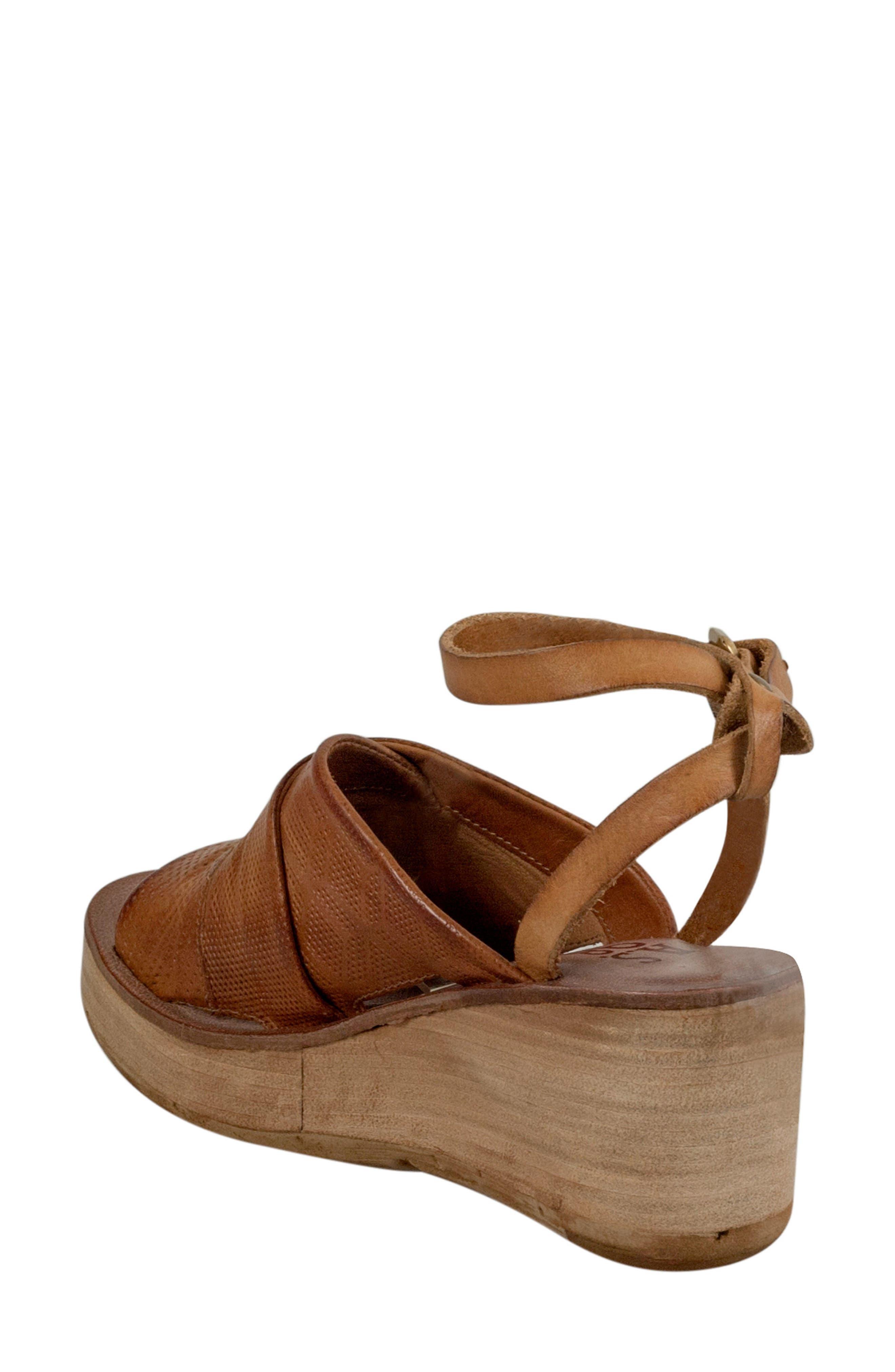 Niall Platform Wedge Sandal,                             Alternate thumbnail 4, color,