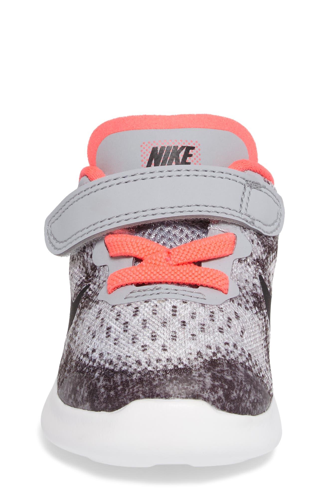 Free Run 2017 Sneaker,                             Alternate thumbnail 4, color,                             020