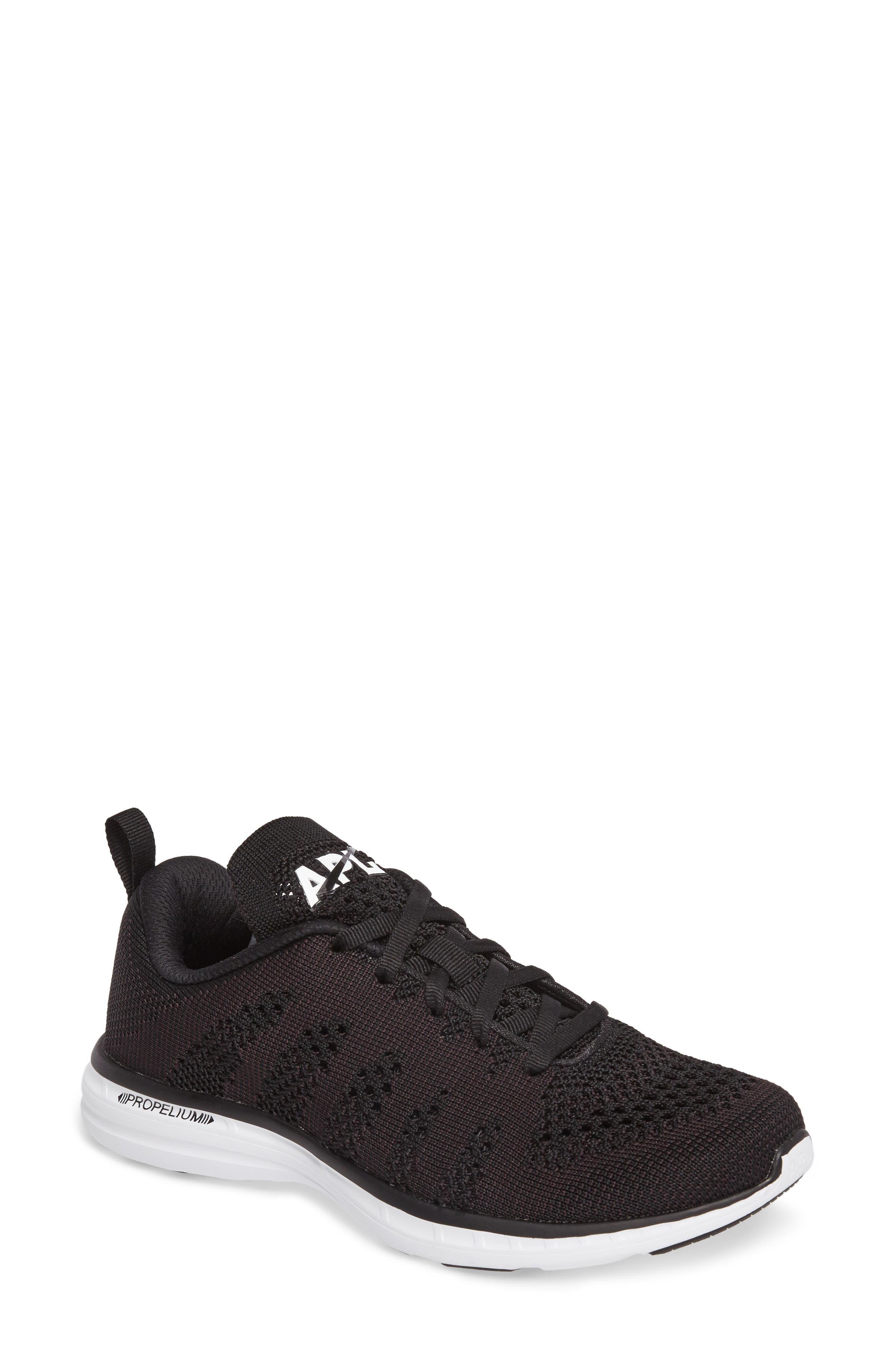 APL ATHLETIC PROPULSION LABS Athletic Propulsion Labs Women'S Techloom Pro Knit Low-Top Sneakers in Black/White/Black