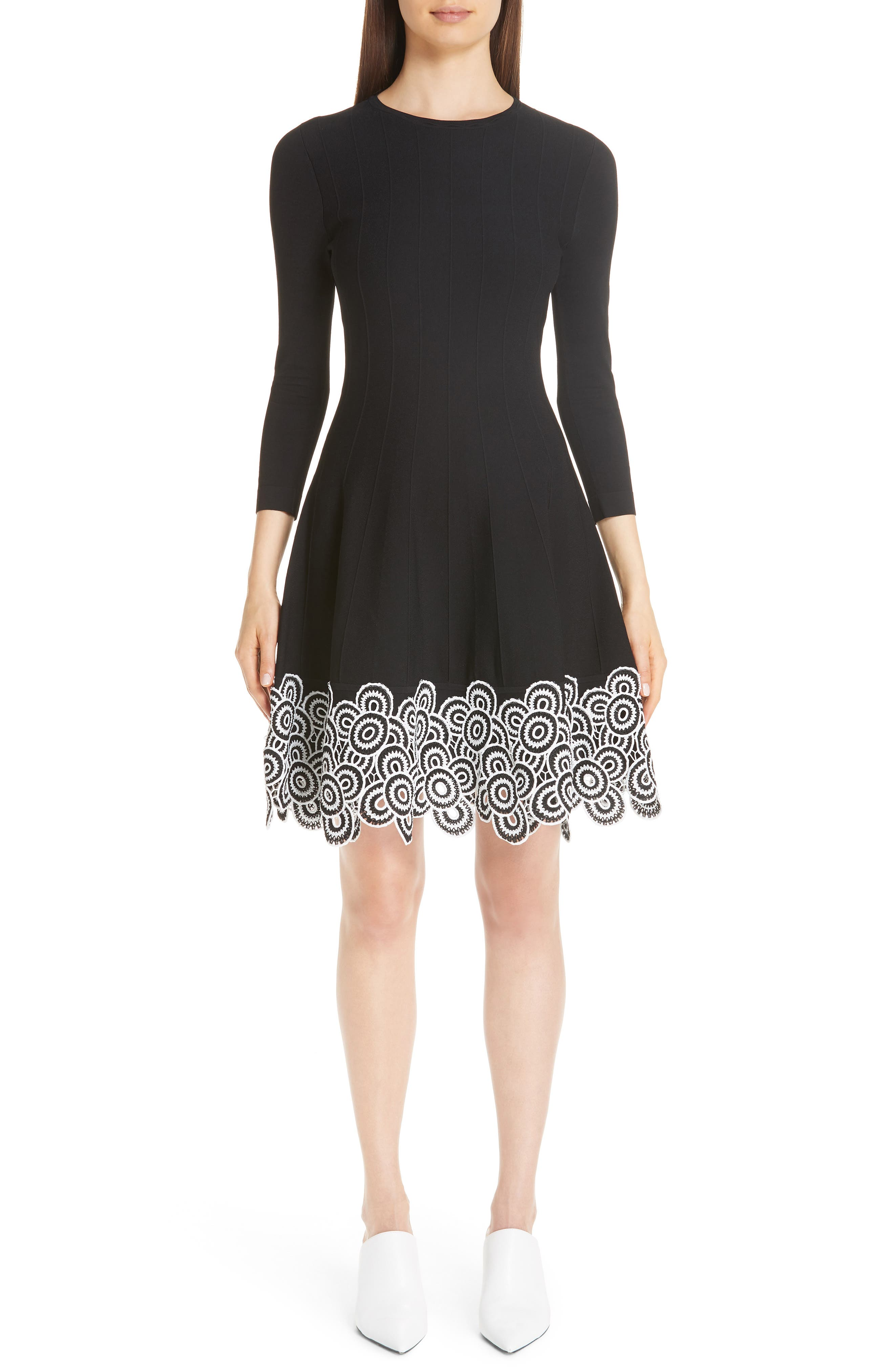 LELA ROSE Crewneck Long-Sleeve Fit-And-Flare Dress W/Circle Lace Hem in Black / White