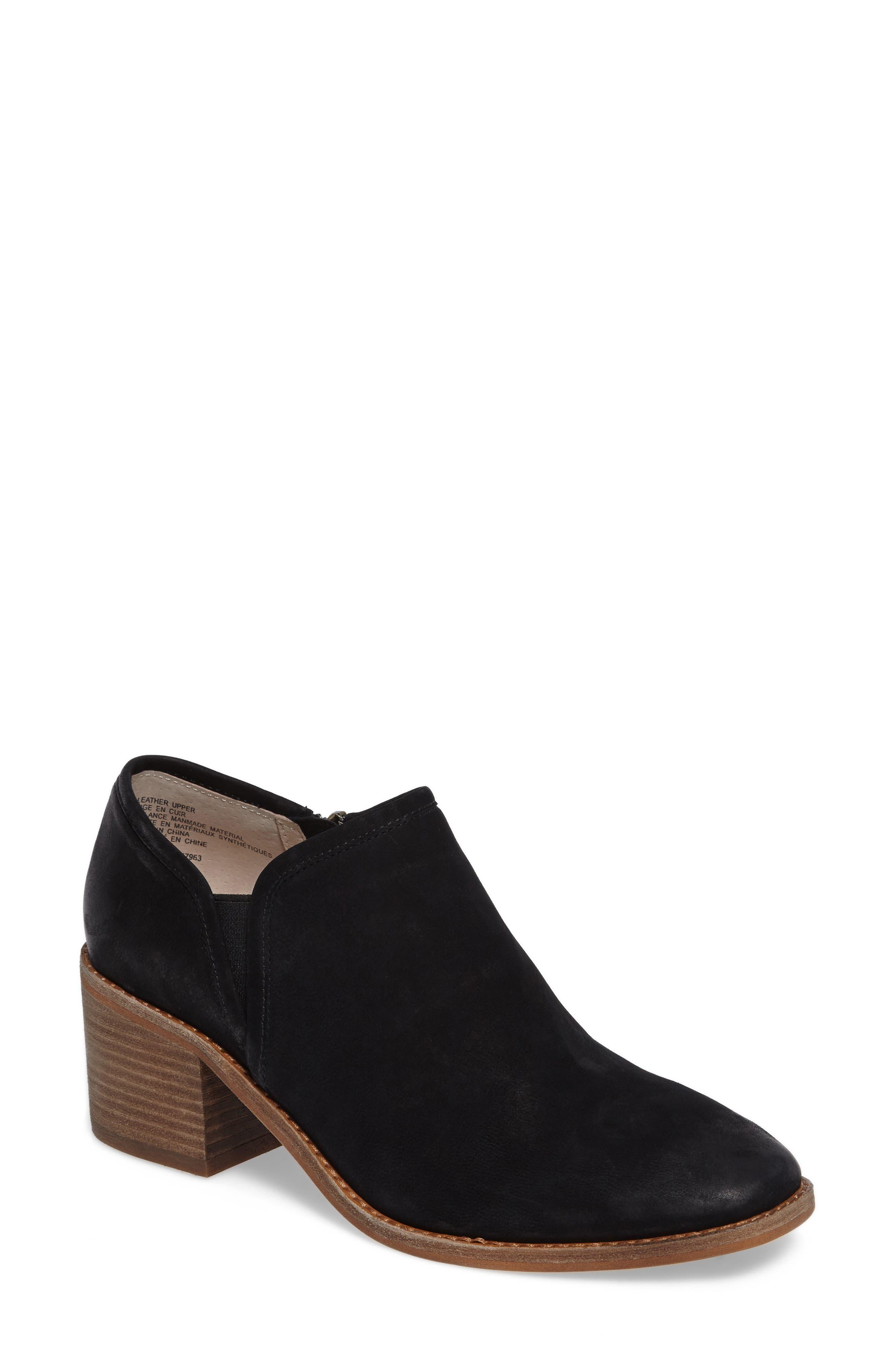 CASLON<SUP>®</SUP> Faye Block Heel Bootie, Main, color, 001
