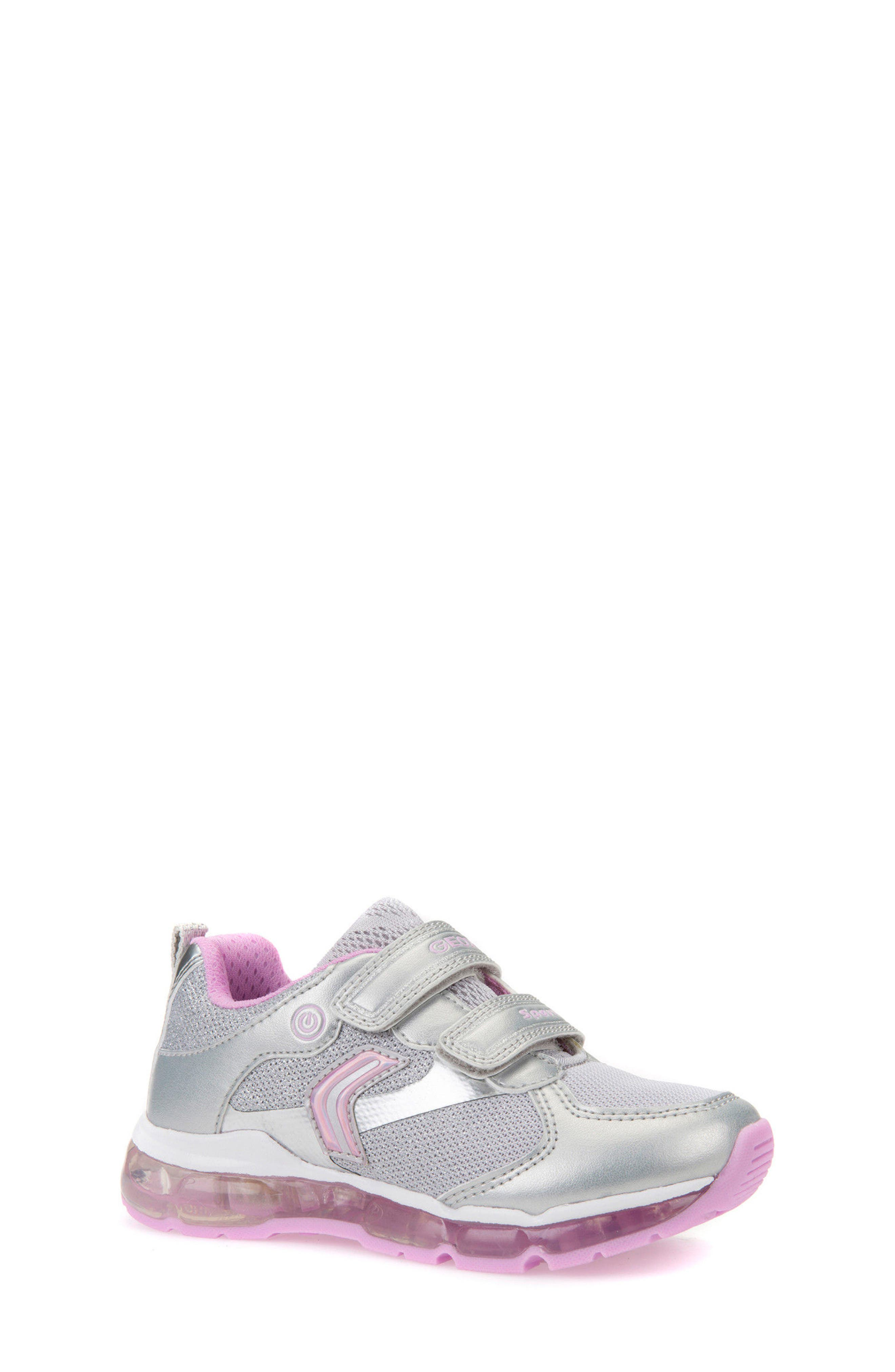 Girls Geox Android LightUp Sneaker Size 1US  32EU  Metallic