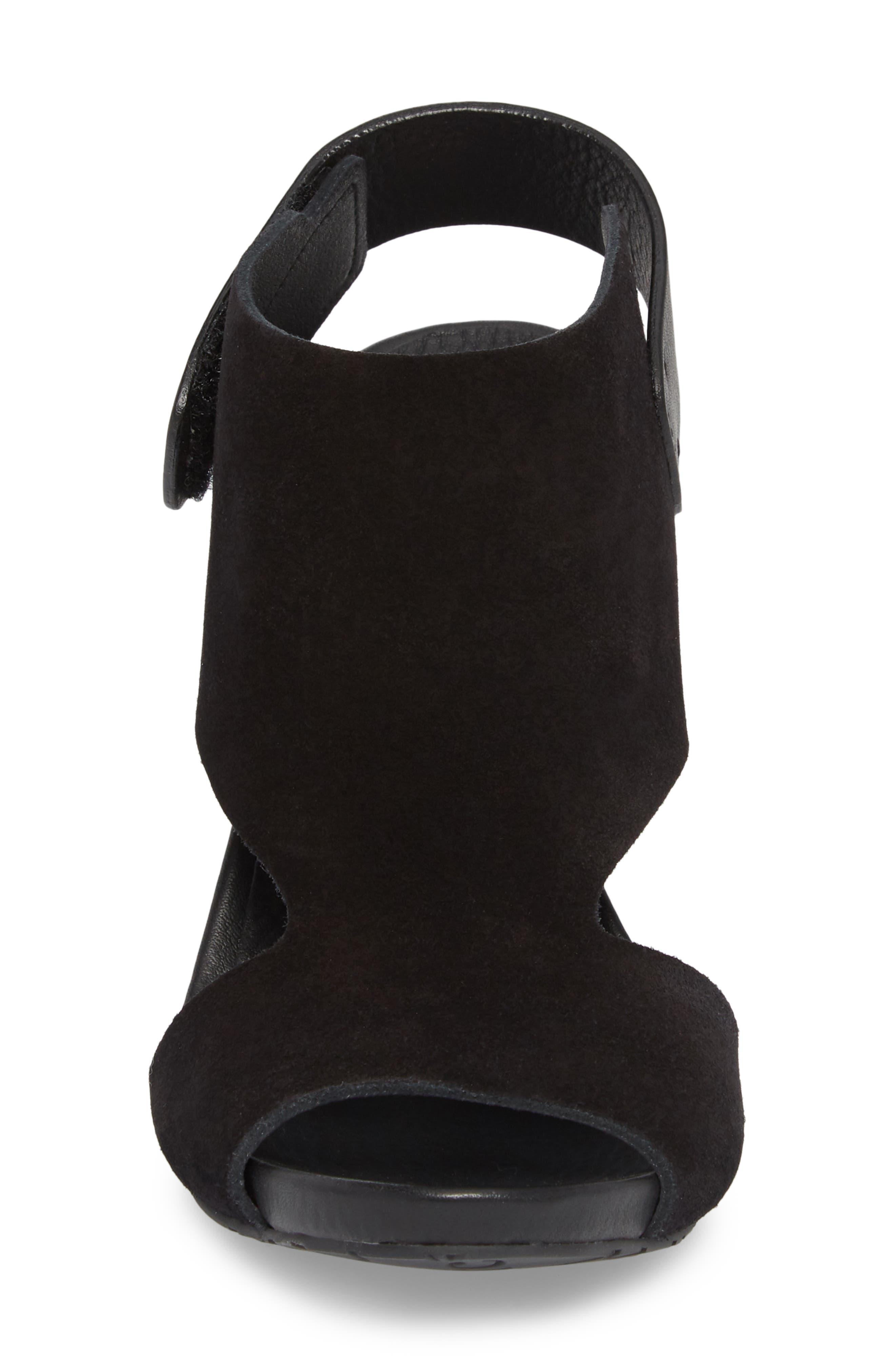 Yimina Cutout Sandal,                             Alternate thumbnail 4, color,                             BLACK